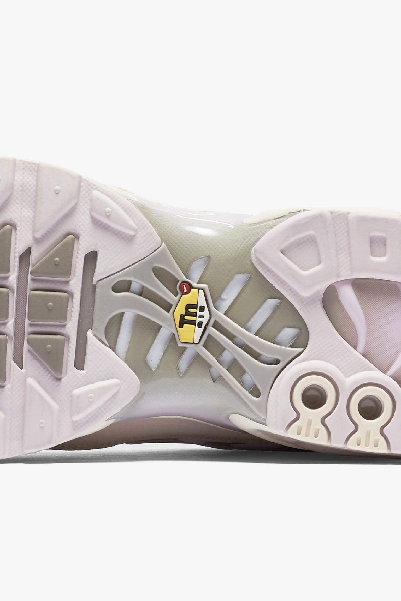 Nike Air Max Plus 'Pearl Pink'