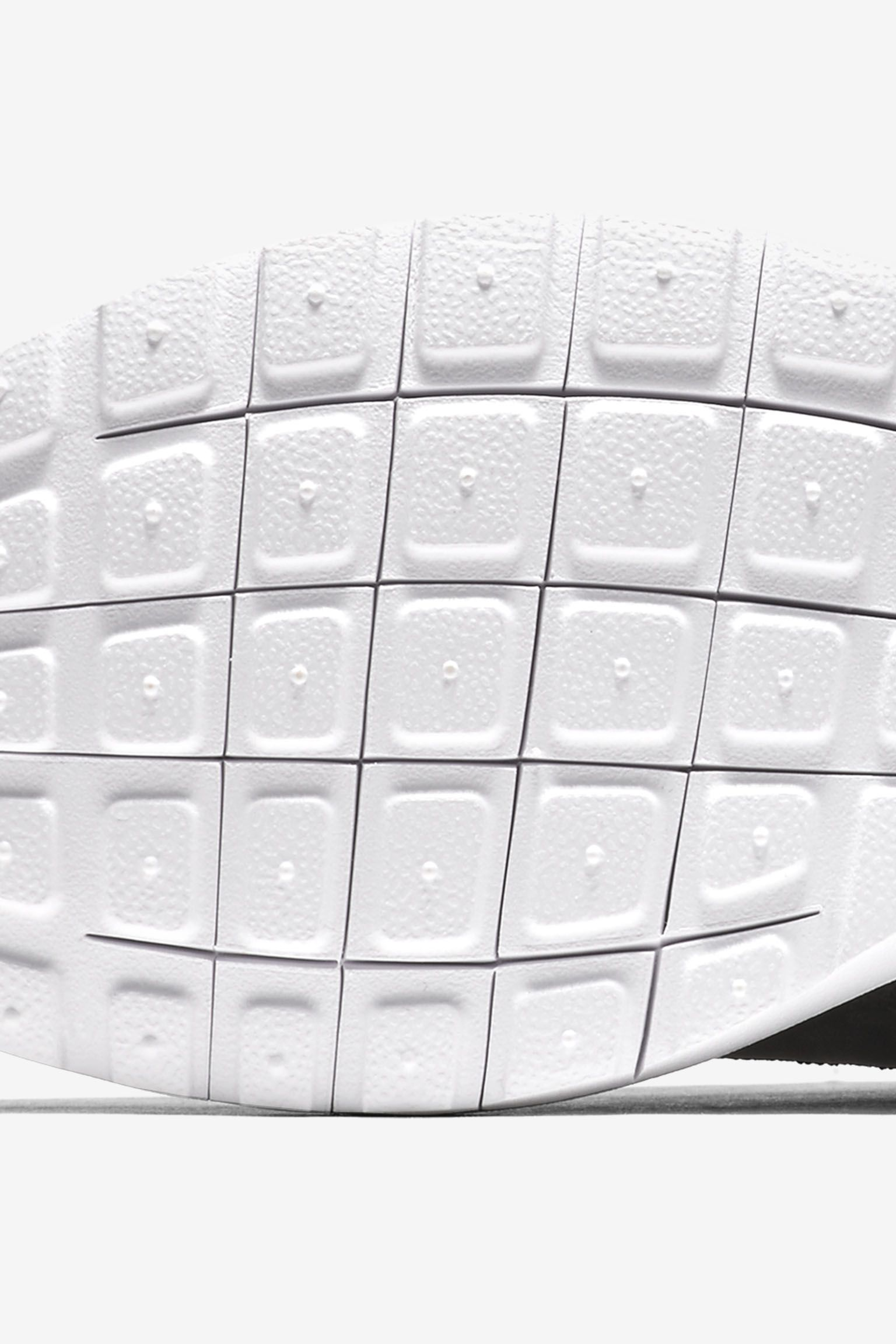 Nike Roshe NM Flyknit 'Premium Black'