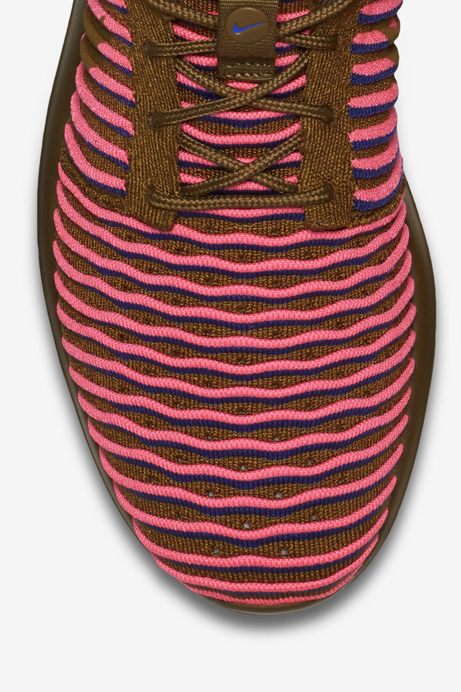 Women's Nike Roshe 2 Flyknit 'Olive & Pink Blast'