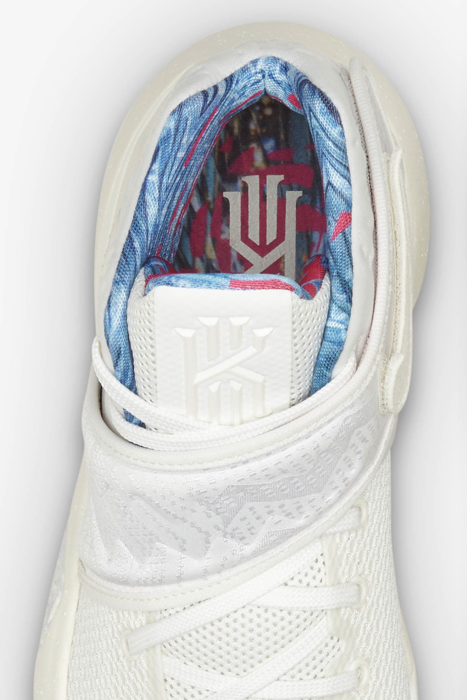 Kyrie 2 'What The' Sail