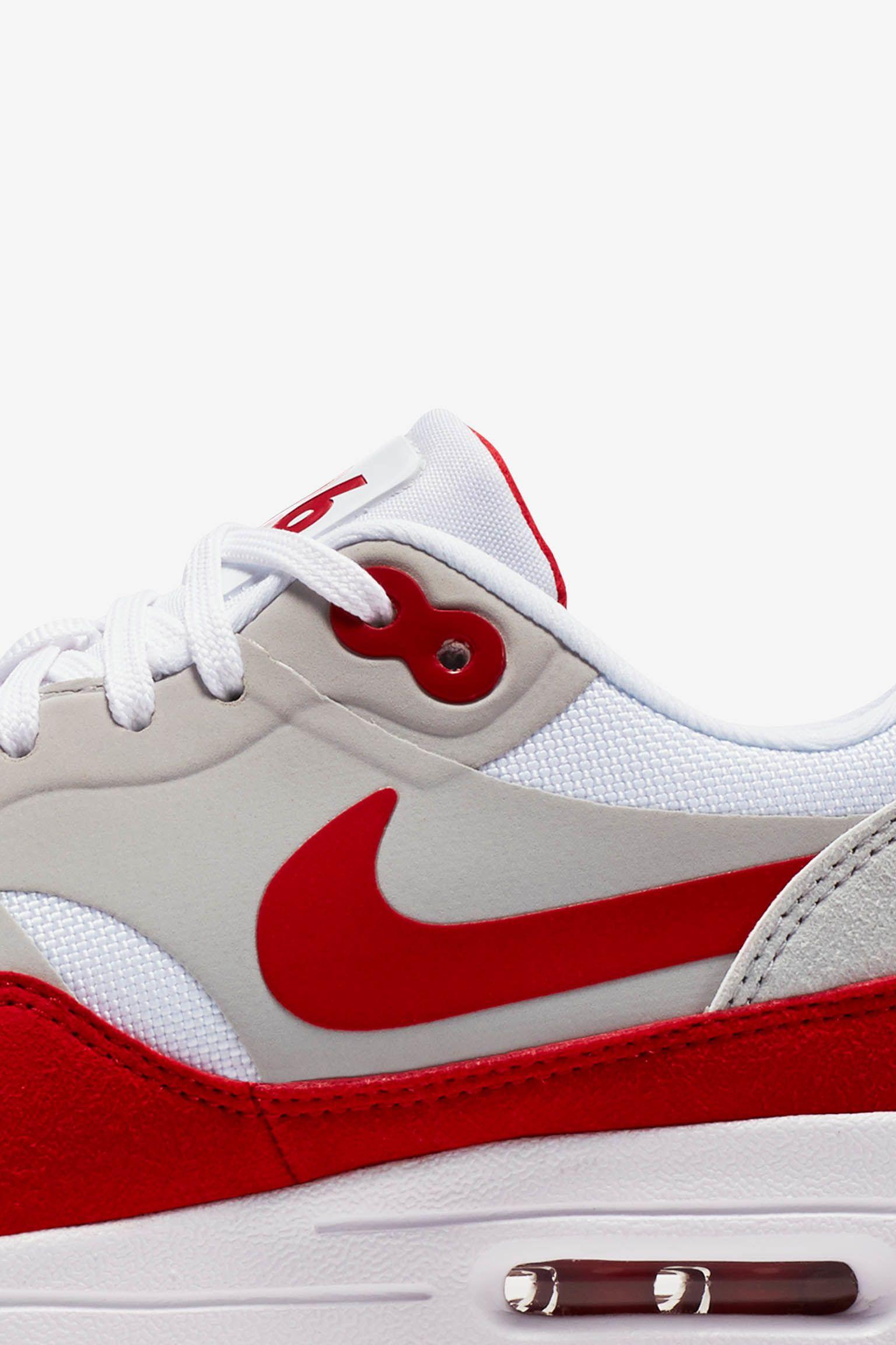 BNIB New Women Nike Air max 1 ultra Moire Blue Red White