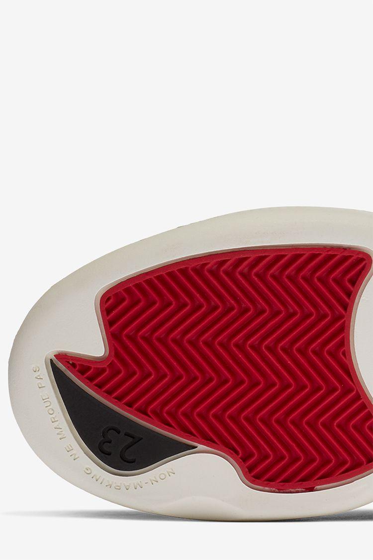 Little Kids' Air Jordan 12 'Black & Metallic Gold' True Red' Release Date