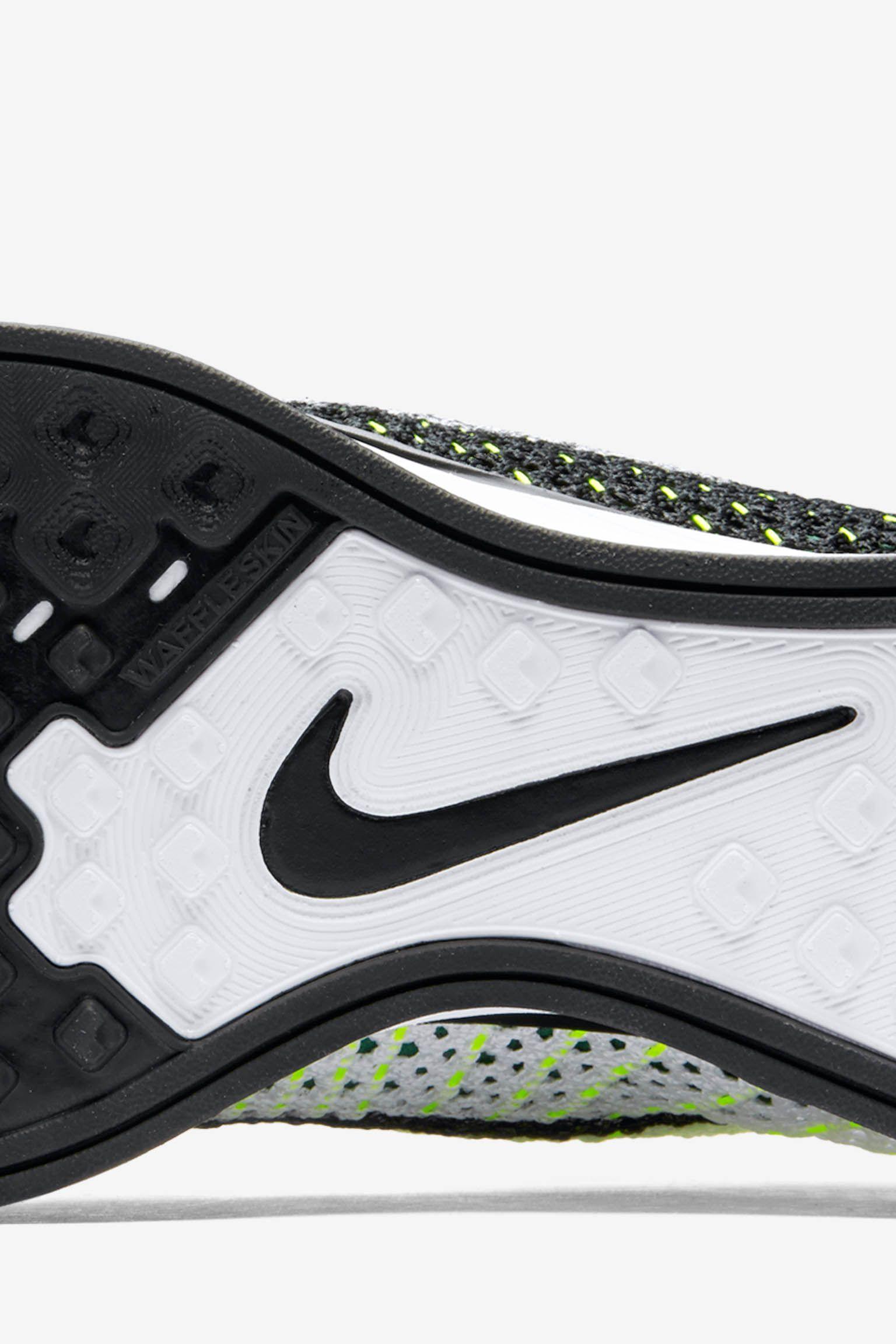 Nike Flyknit Racer 'Race Tones'