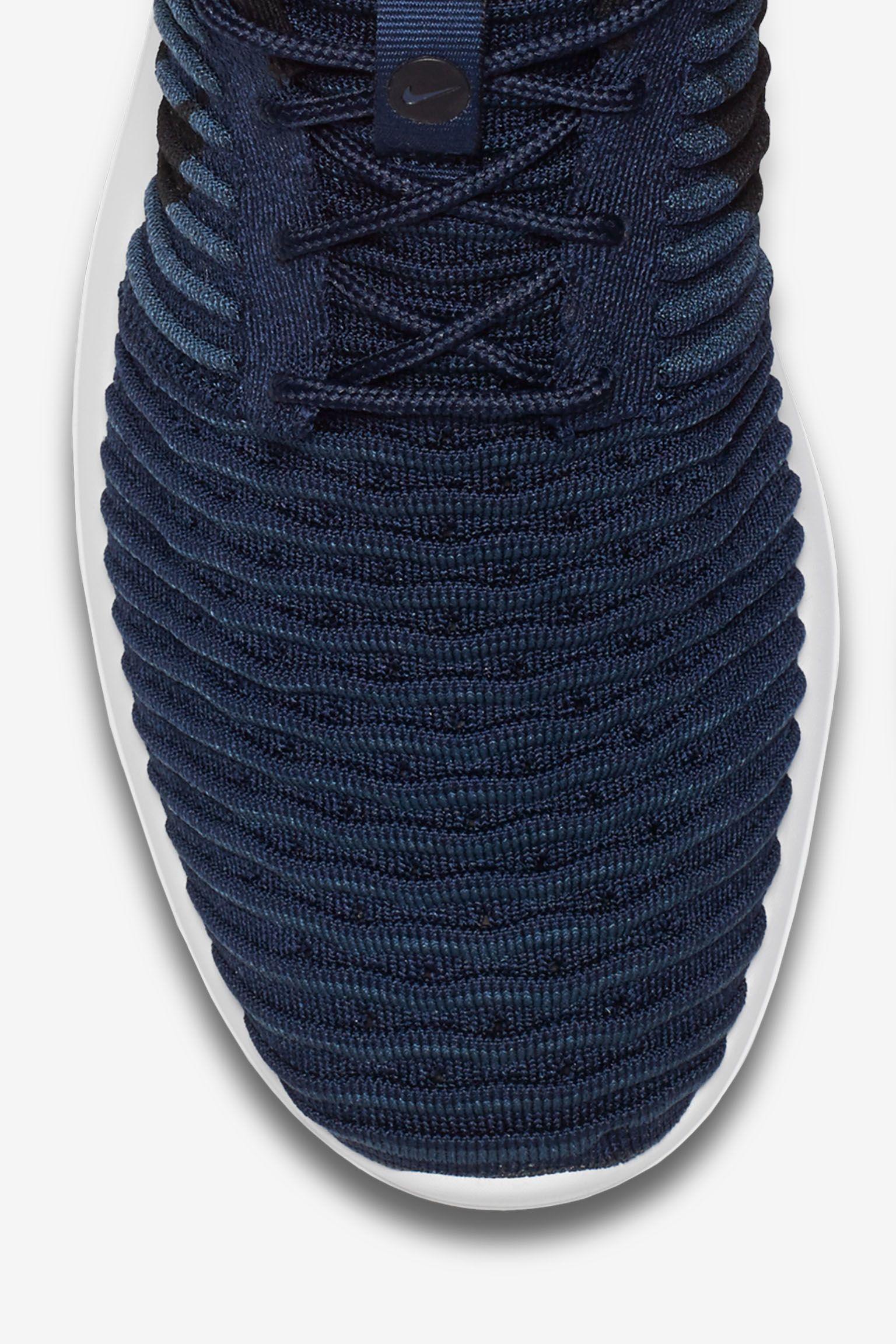 Nike Roshe 2 Flyknit 'College Navy & White'