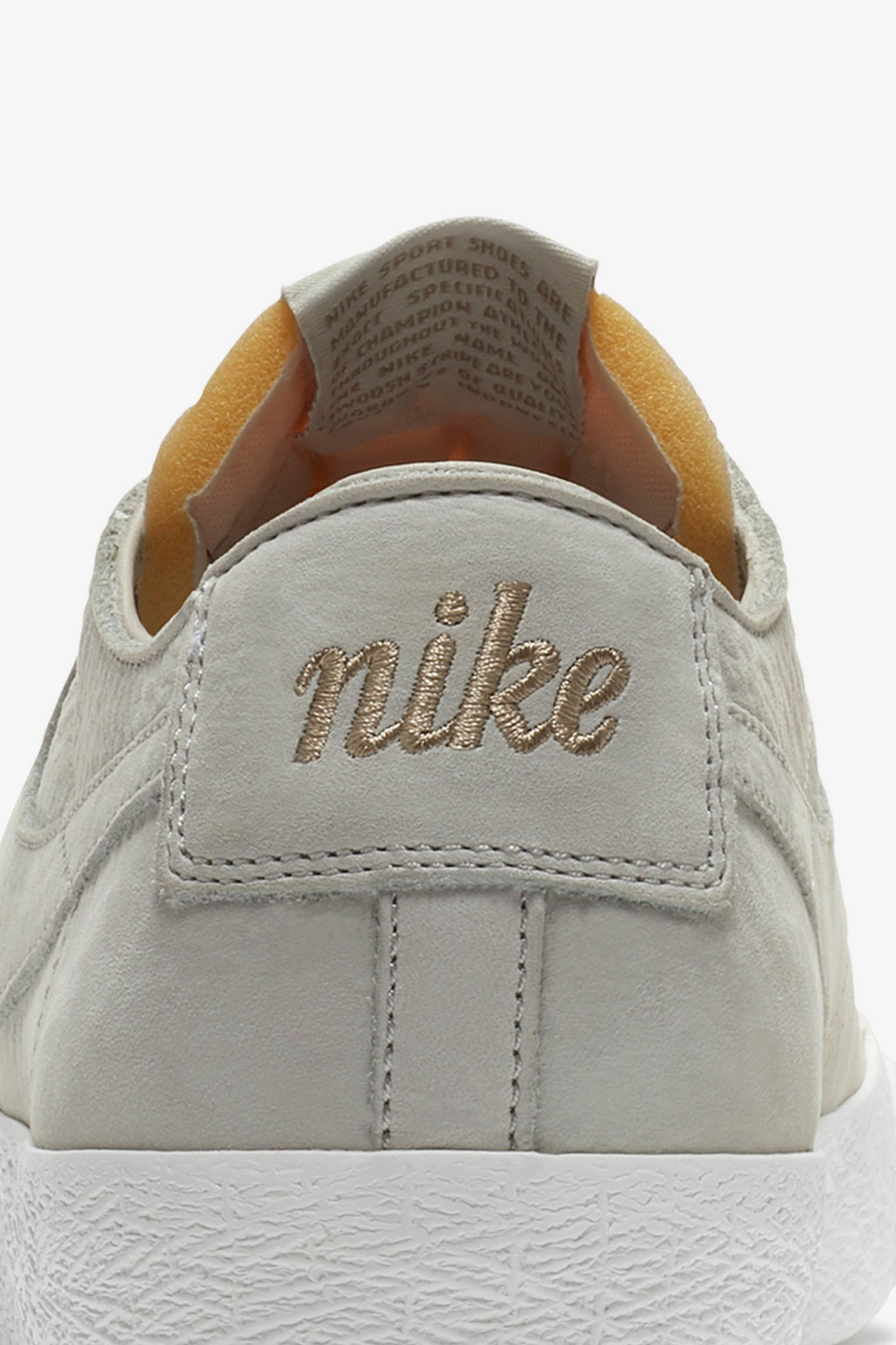 Nike SB Blazer Decon 'Light Bone & Khaki' 发布日期