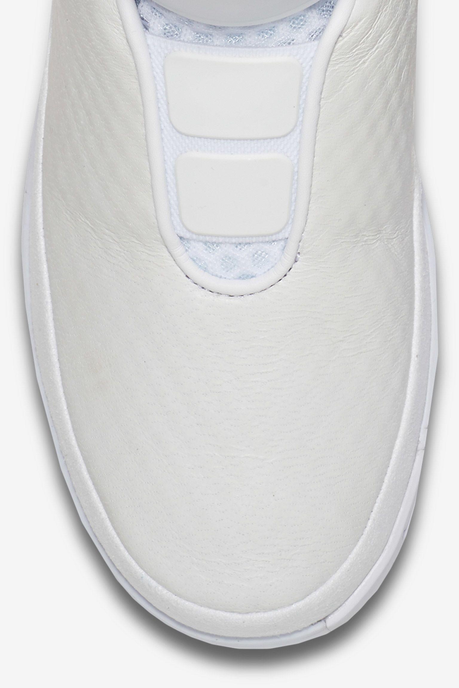 Nike Swoosh HNTR 'On The Hunt' White