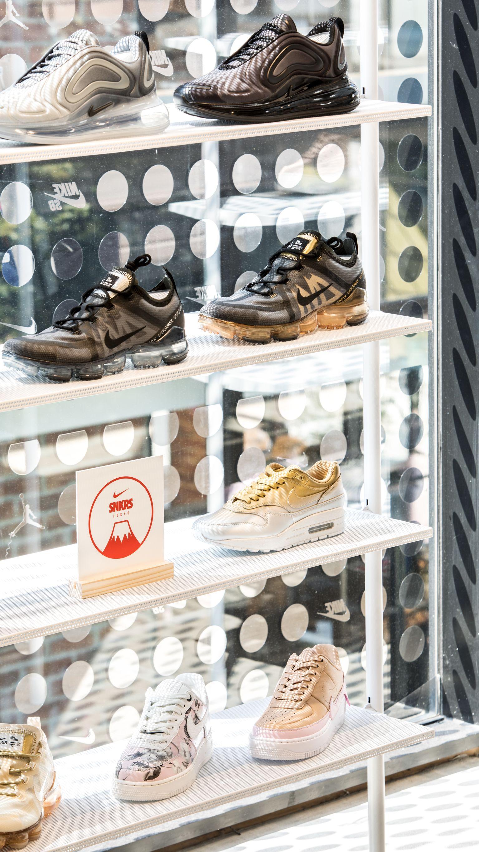 【NIKE公式】ONE YEAR OF SNKRS: Nike Kicks Lounge Omotesando