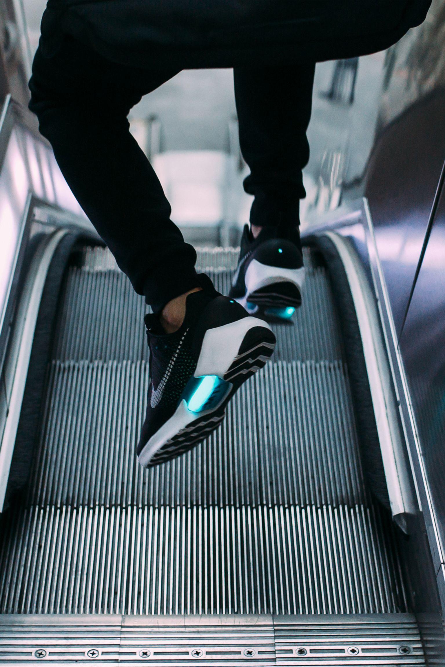 Nike Hyperadapt 1.0 'Black & Blue Lagoon' Release Date