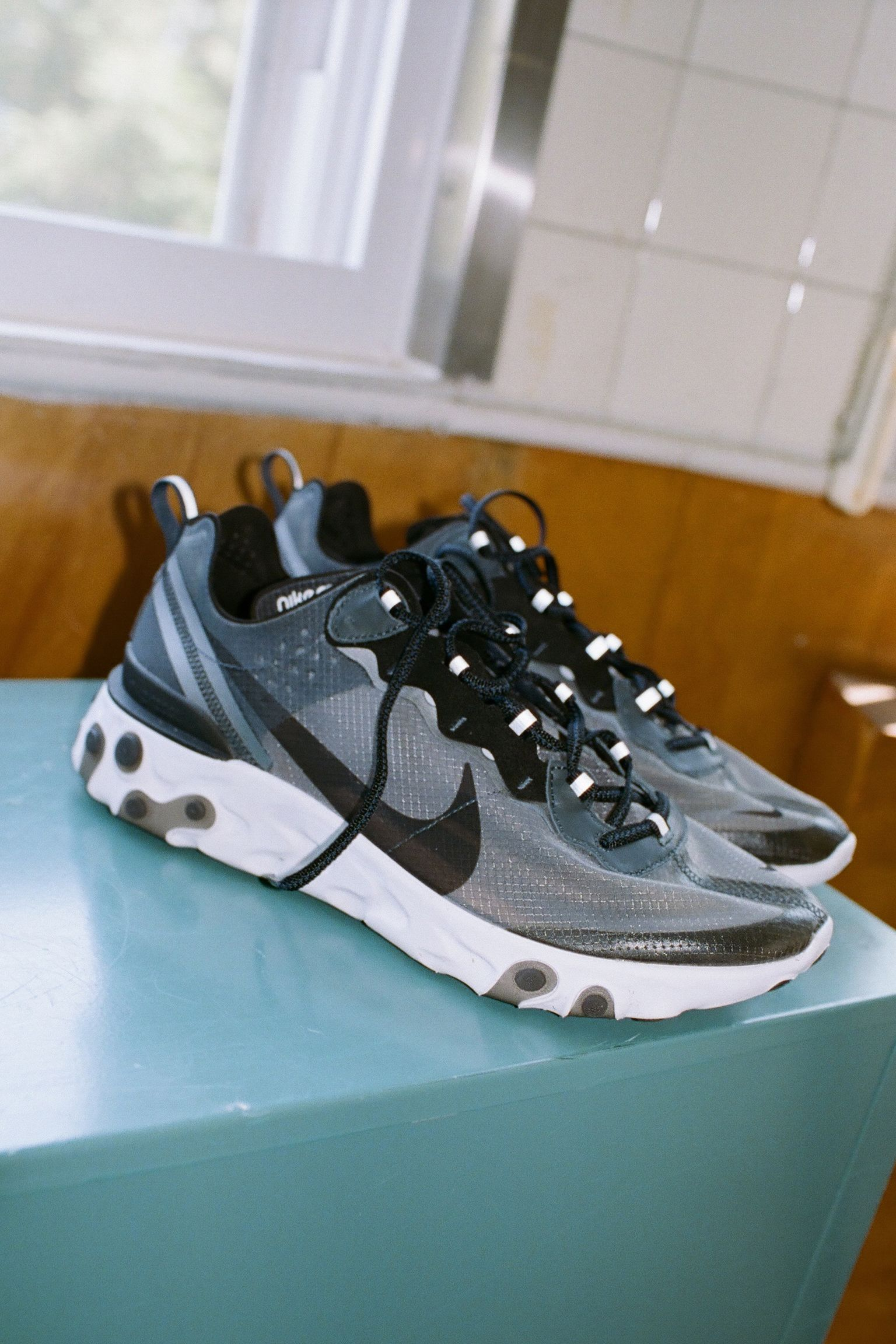 Nike React Element 87 'Anthracite & Black' Release Date