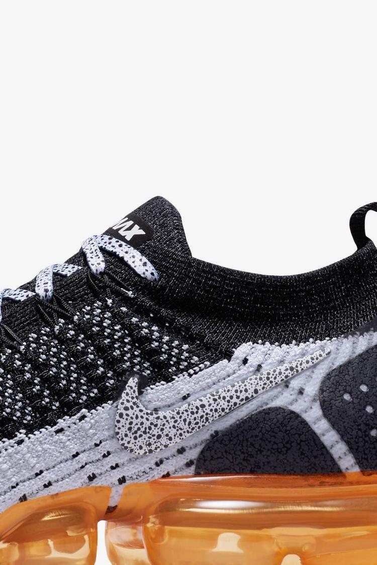 Nike Air Vapormax Flyknit 2 'Black & White & Total Orange' Release Date