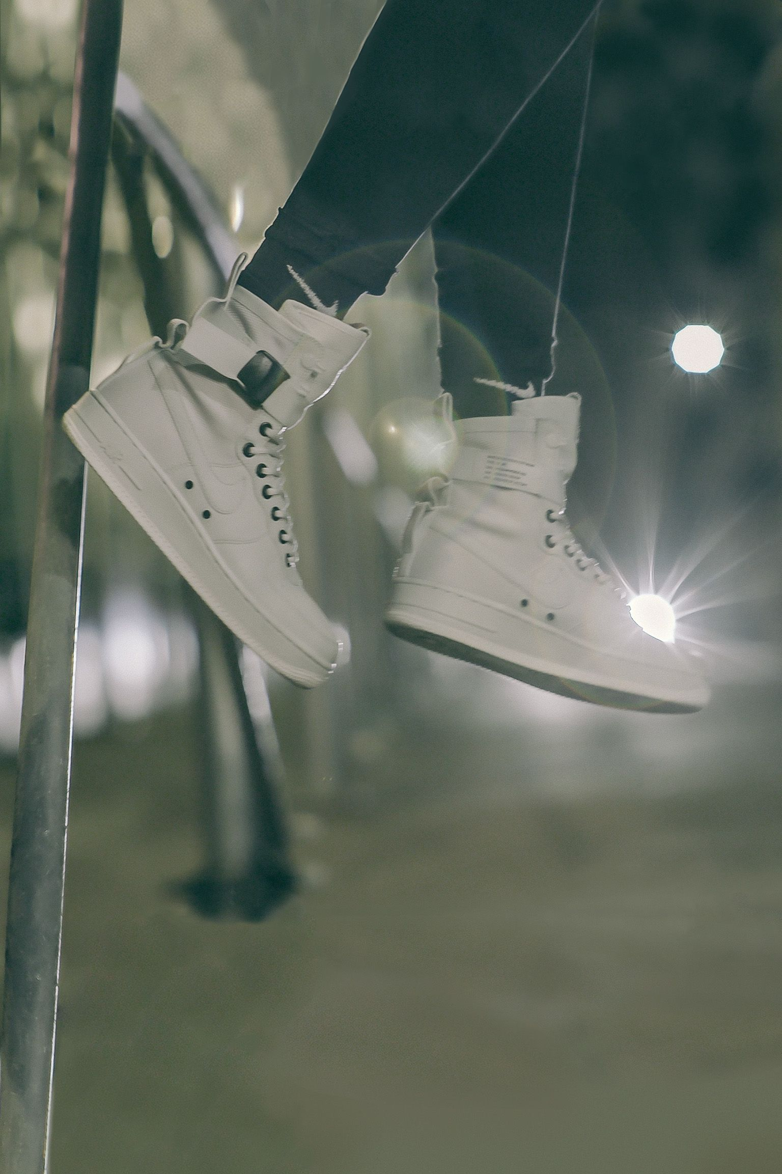 "Buty damskie Nike Special Field Air Force 1 ""Light Bone & Sail"". Data premiery"