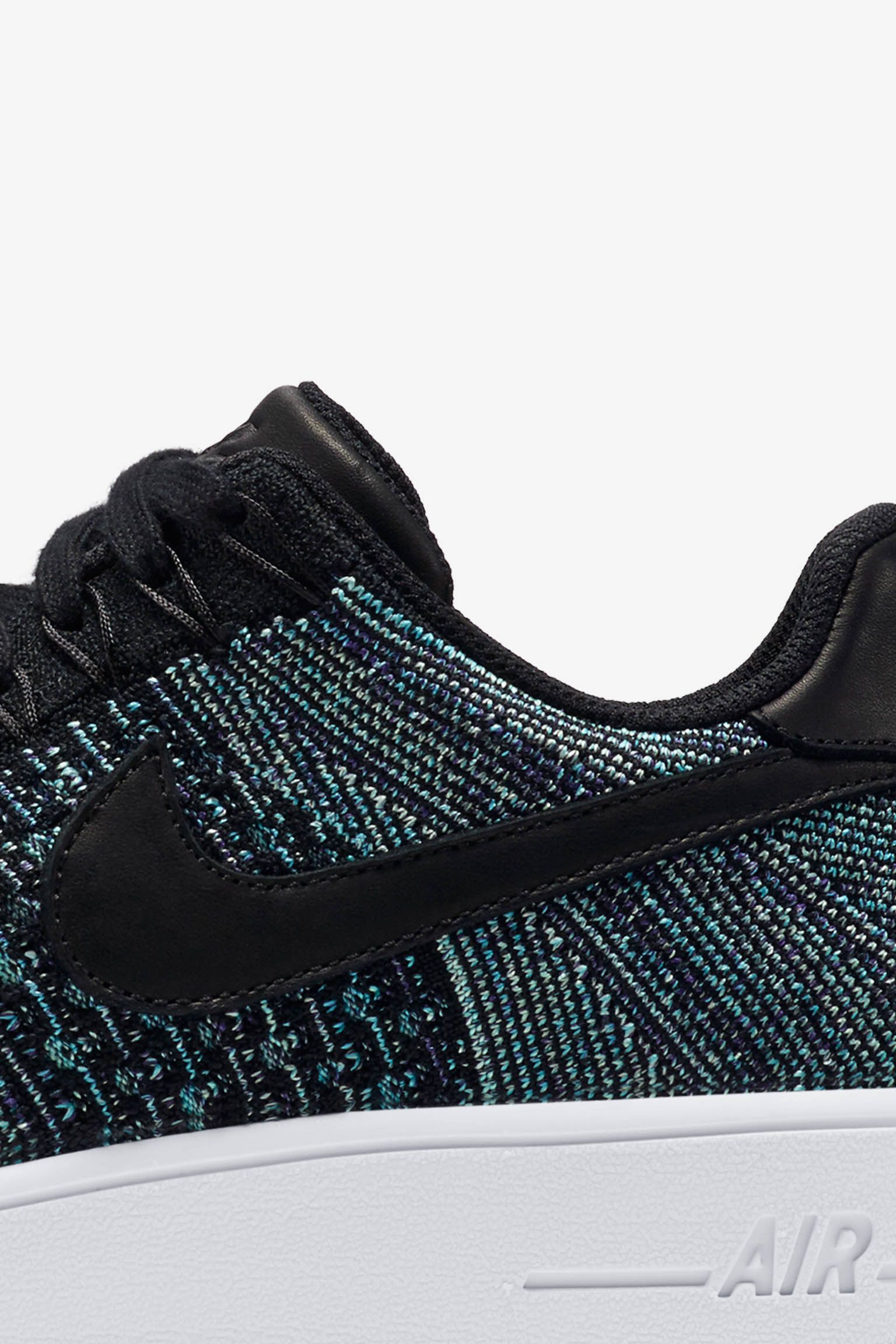 Nike Air Force 1 Low Flyknit 'Vapour Green & Black'