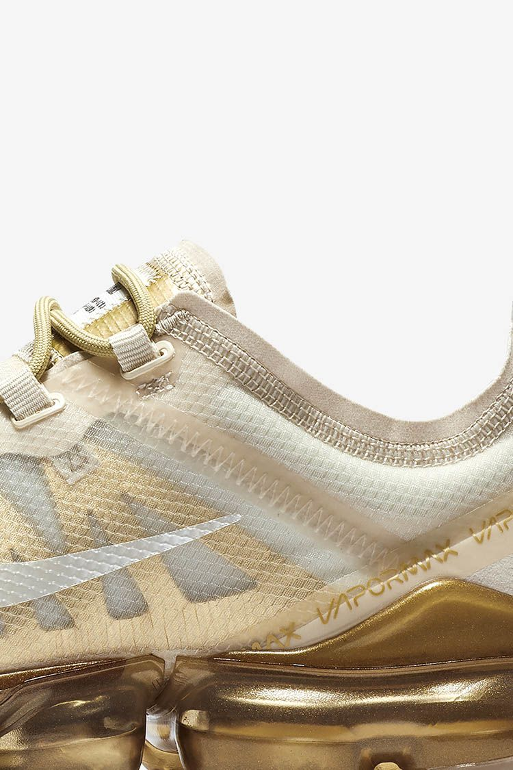 Women's Nike Air Vapormax 2019 'White & Metallic Gold'.