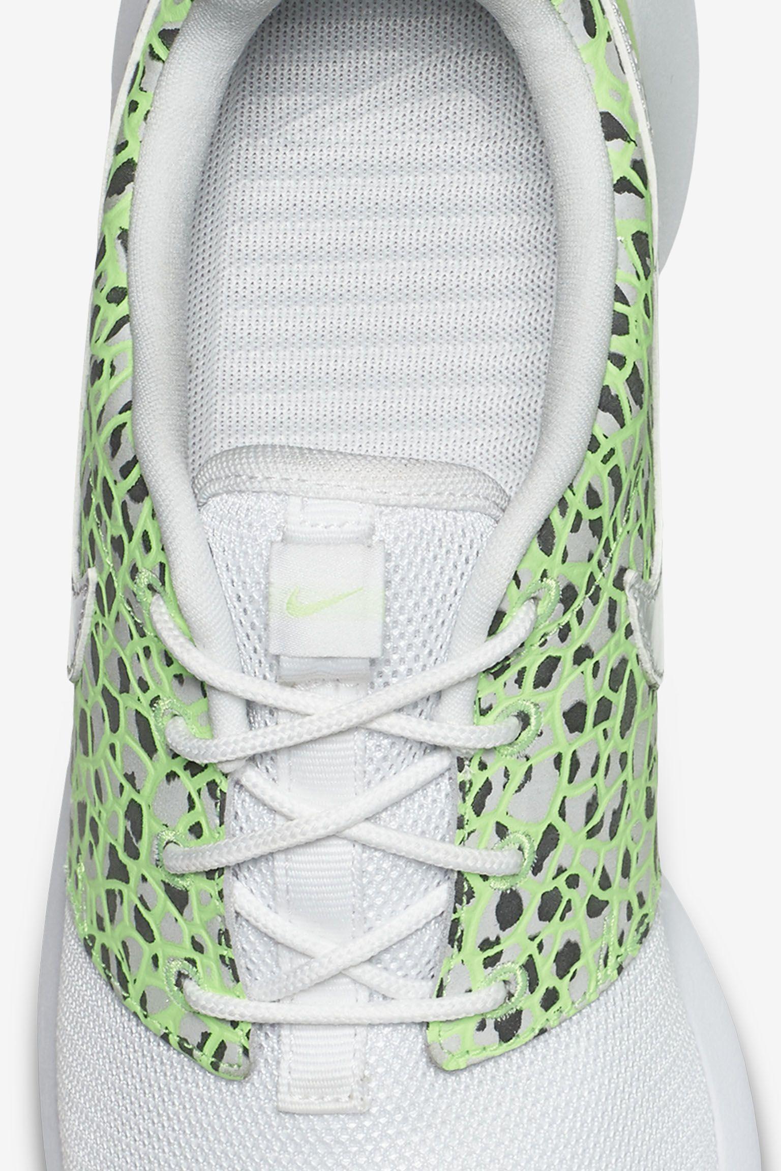 Women's Nike Roshe One 'Ghost Green'
