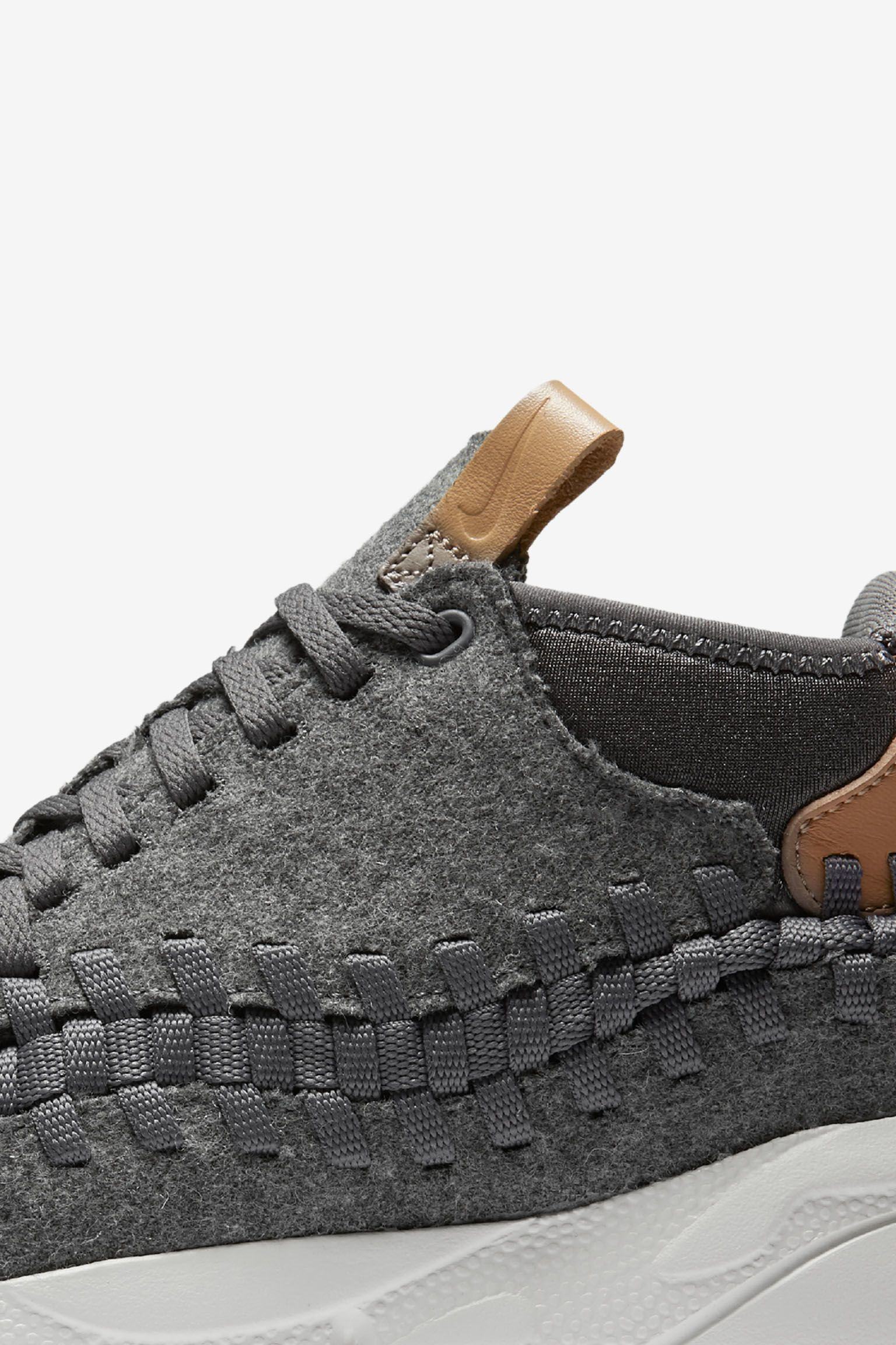 Nike Air Footscape Woven Chukka SE 'Dark Grey'. Release Date