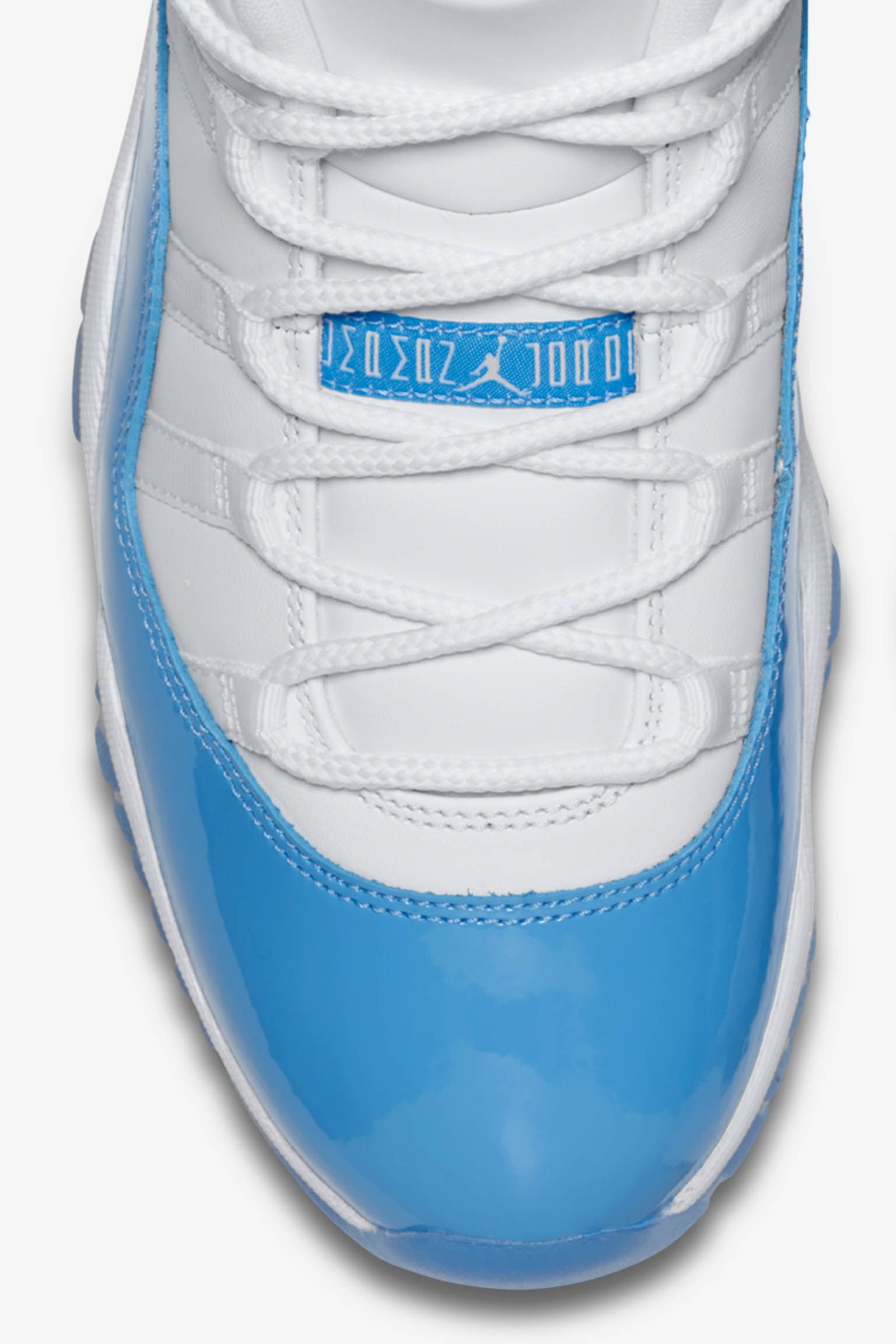 Air Jordan 11 Retro Low 'White & University Blue'