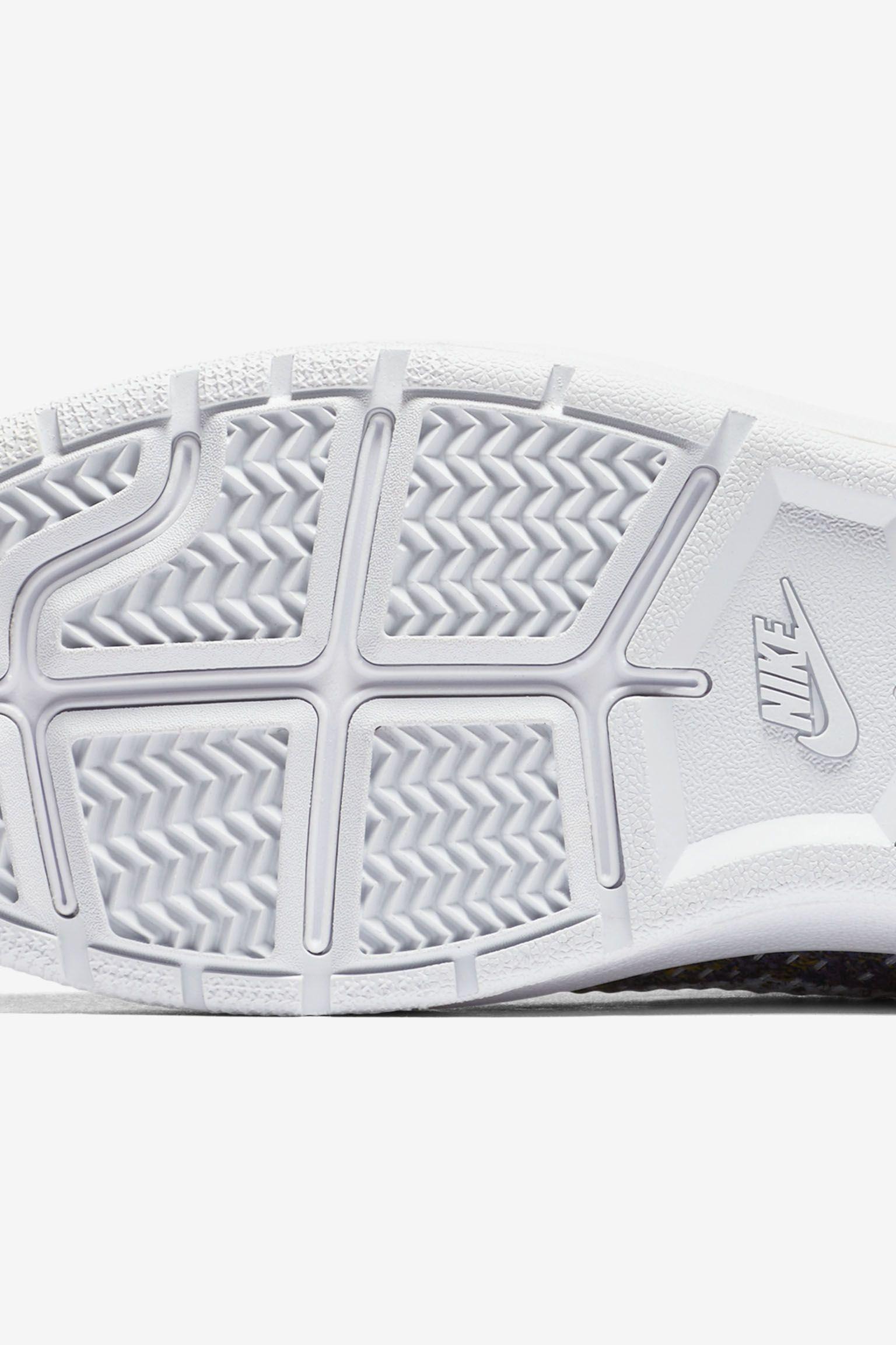 Women's Nike Tennis Classic Ultra Flyknit 'Olive' Release Date