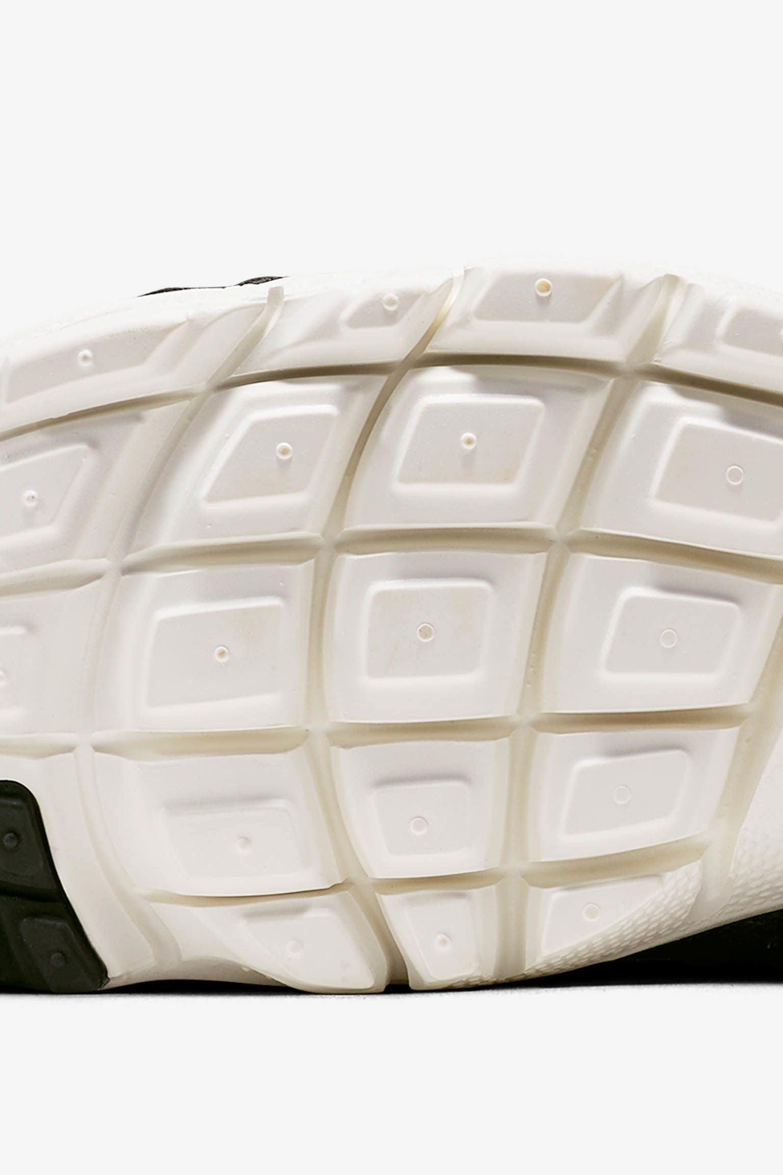 Nike Air Footscape Woven Chukka SE 'Black & Ivory'. Release Date