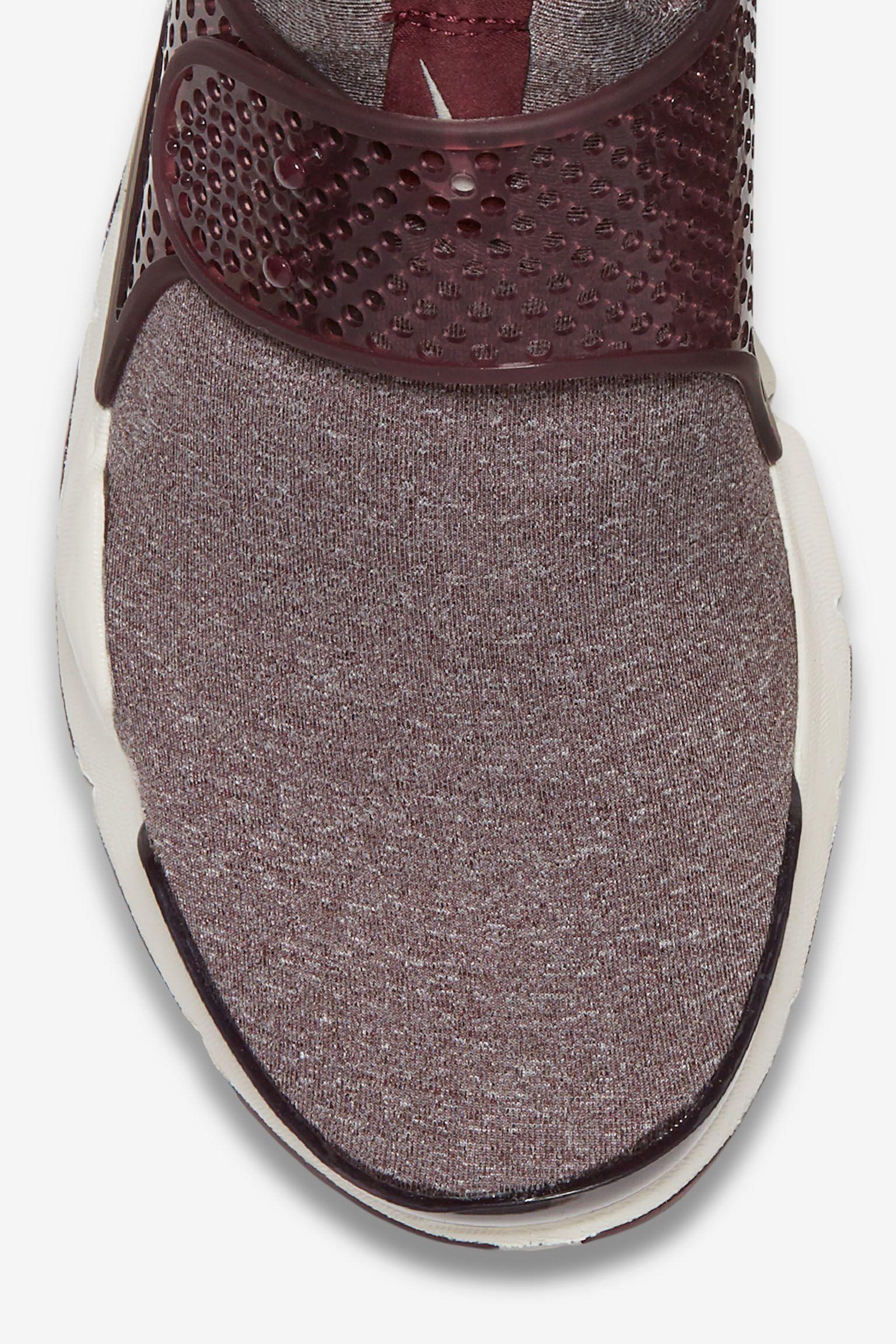 Nike Sock Dart 'Night Maroon' til kvinder
