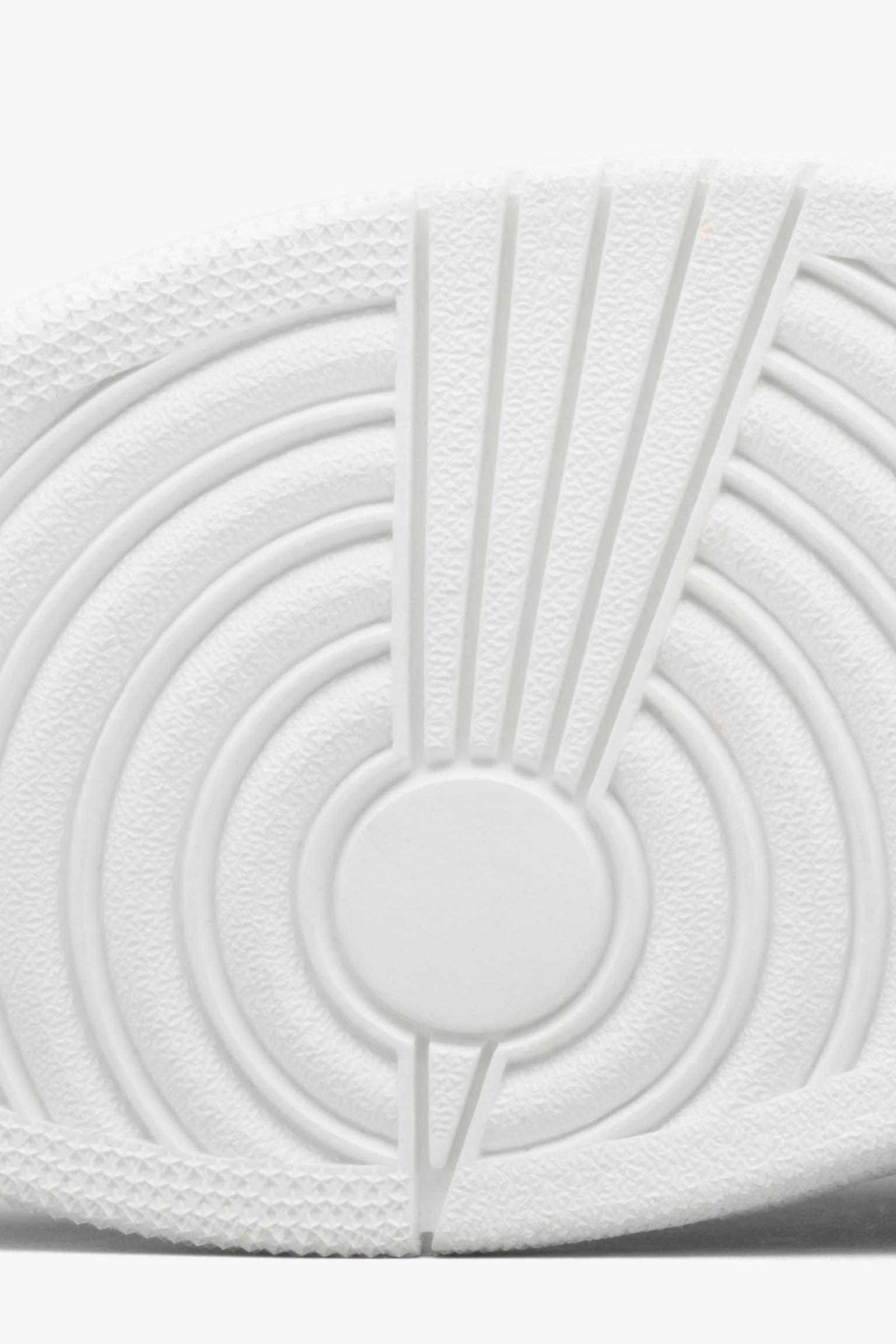 Air Jordan 1 Retro Pinnacle 'Black & Metallic Gold' Release Date