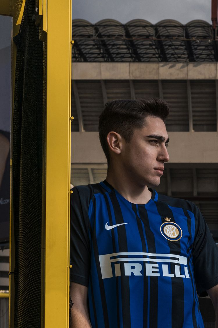 2017-2018 Inter Milan Fenomeno Limited Edition Stadium Home Kit