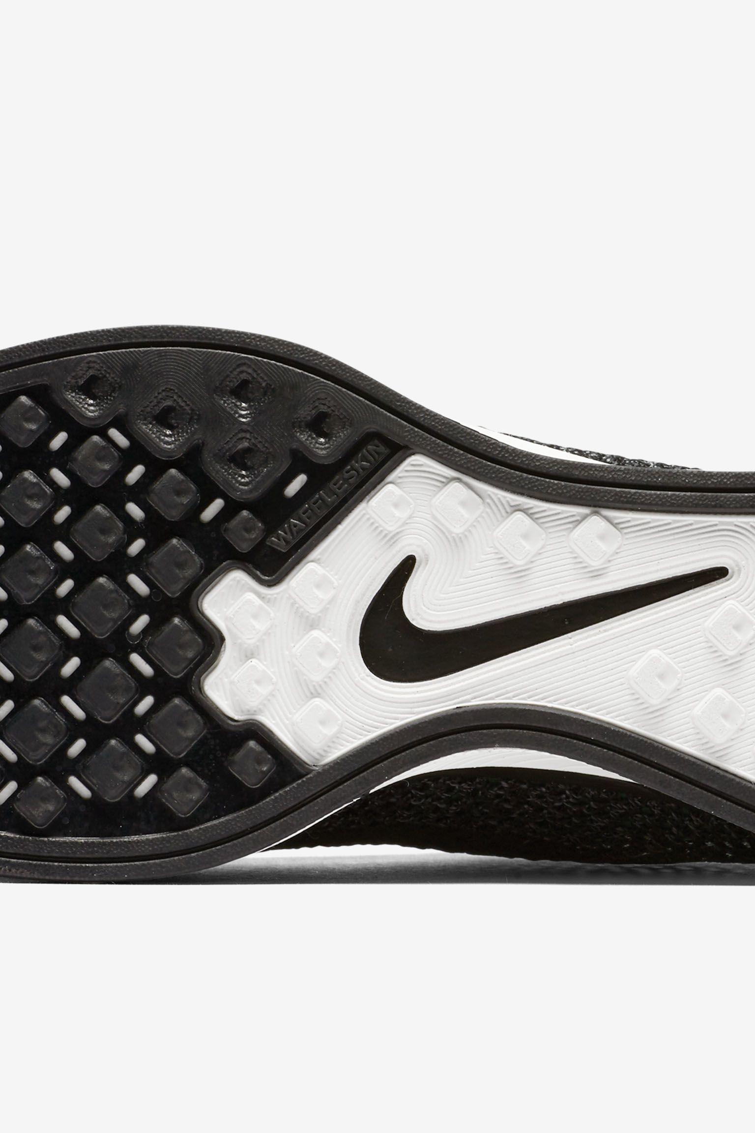 Nike Flyknit Racer 'Pitch Black'