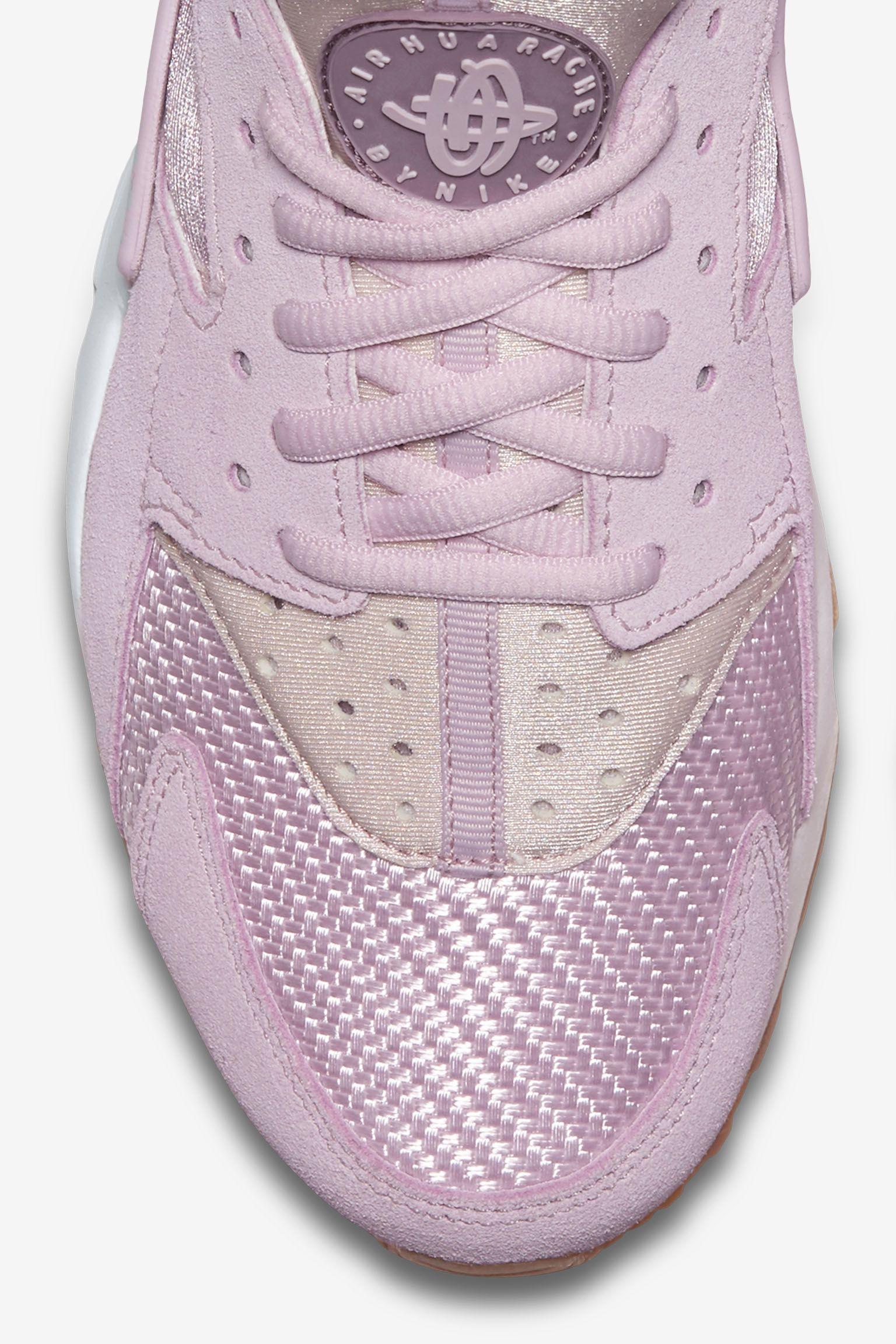 Women's Nike Air Huarache 'Bleached Lilac'