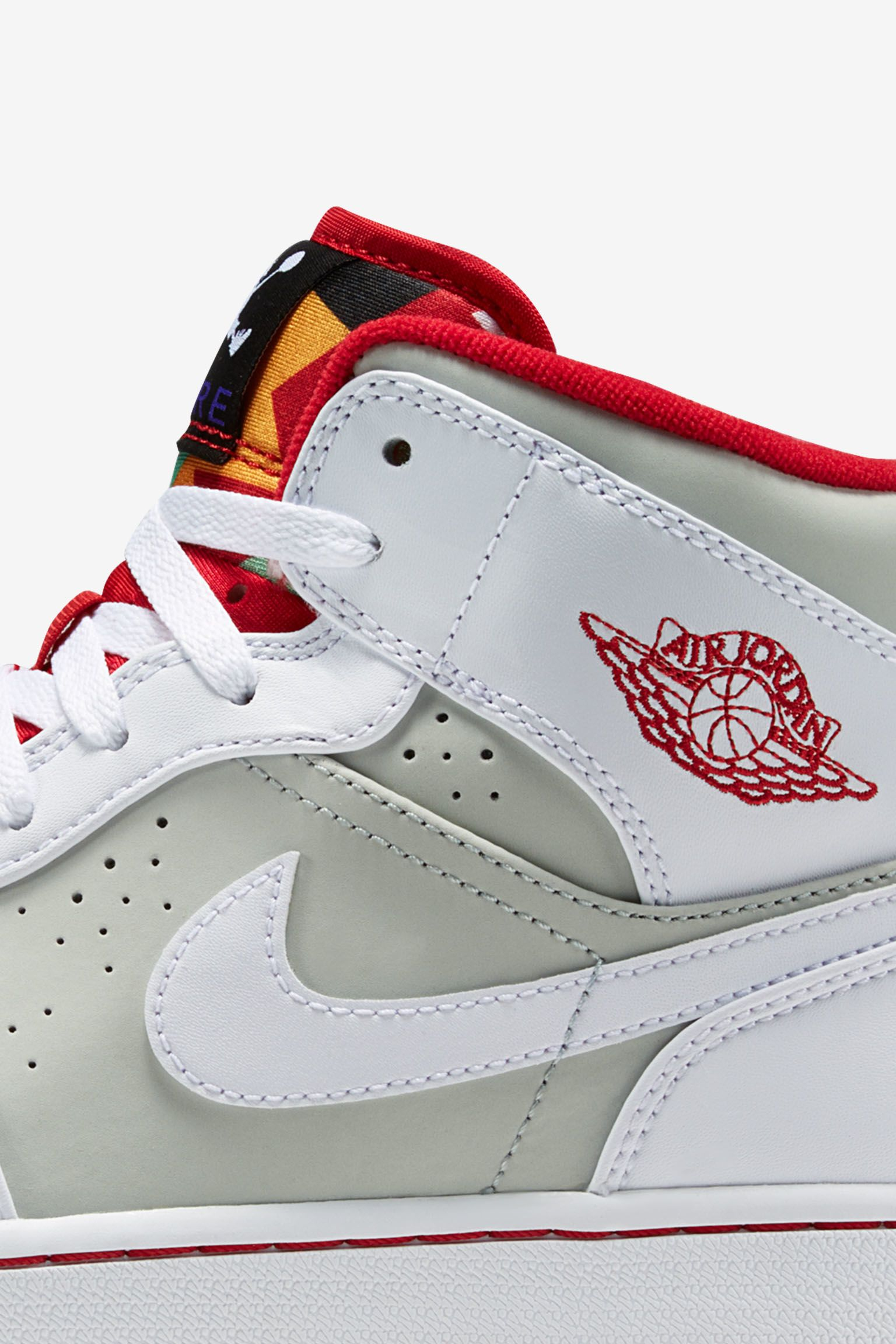 Air Jordan 1 Retro Mid 'Hare'