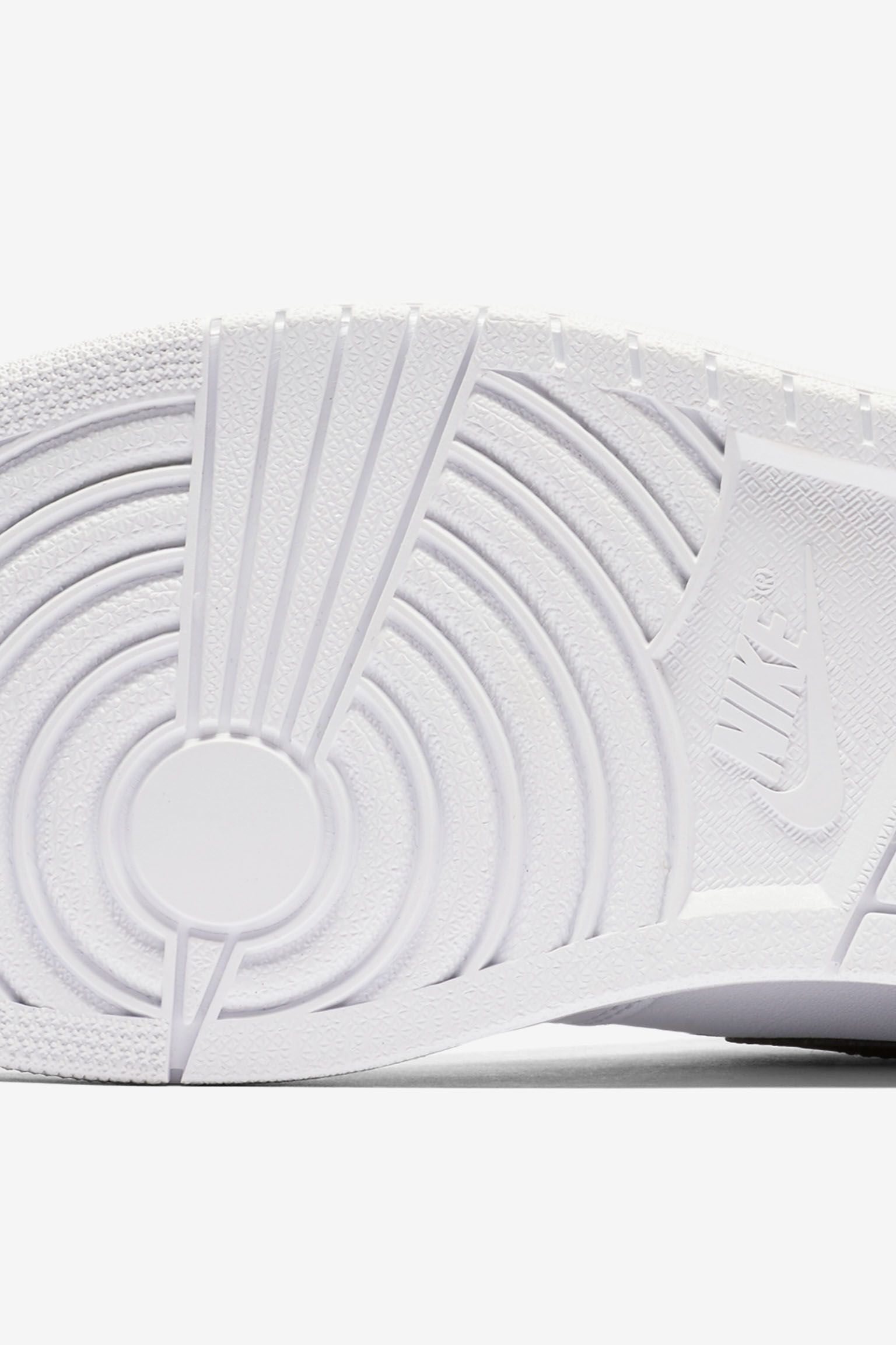 Air Jordan 1 Retro High OG 'White & Black' Release Date