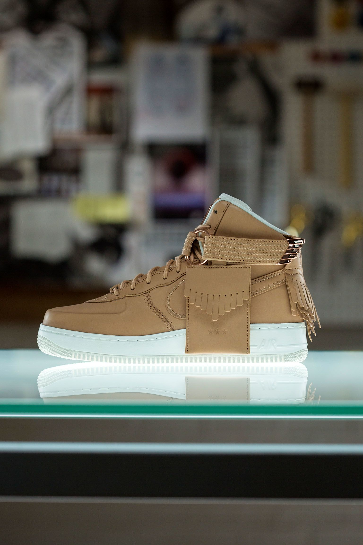 Dentro la scarpa: Nike Air Force 1 High Sport Luxury