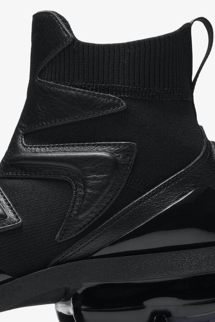 10b90f3c19 Women's Vapormax Light II 'Triple Black' Release Date. Nike+ SNKRS