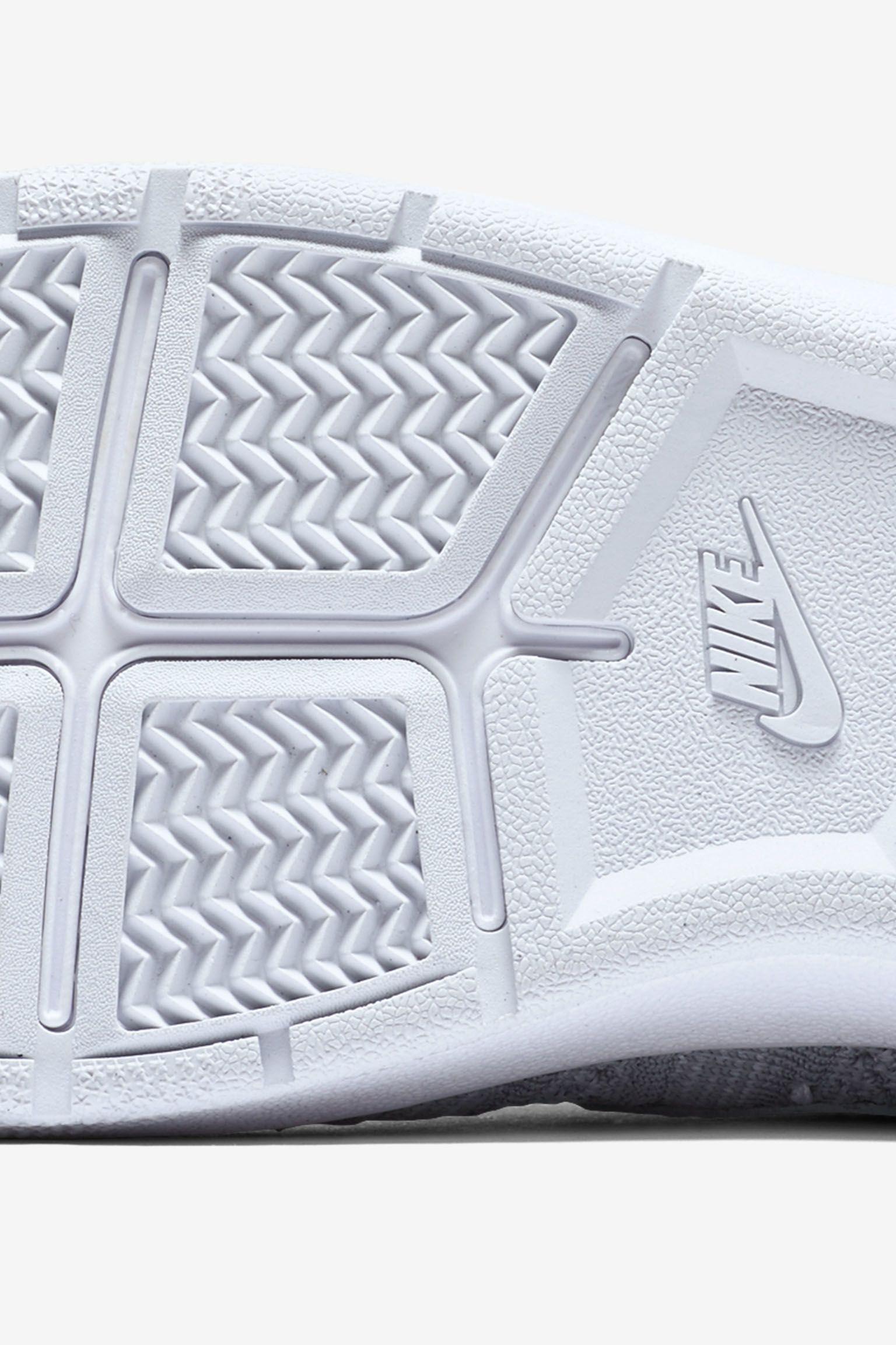 Nikecourt Tennis Classic Ultra Flyknit 'Wolf Grey'