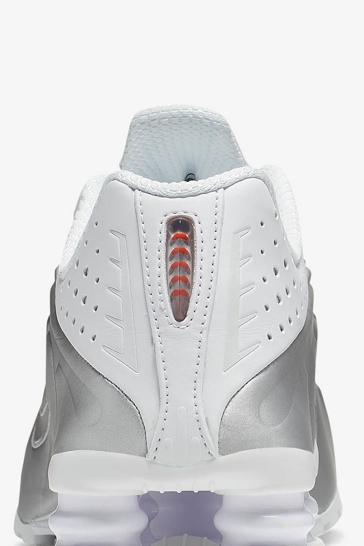 Women's Shox R4 'White & Max Orange' Release Date