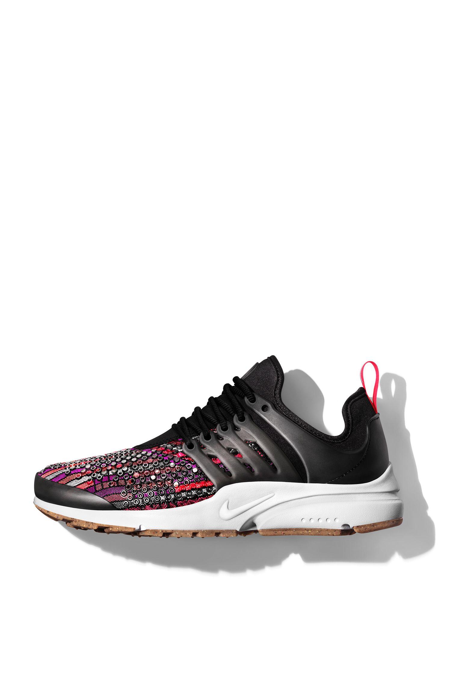 Nike Beautiful x Powerful Jacquard collectie