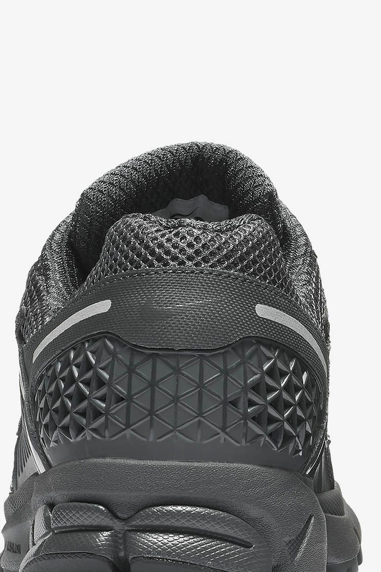 Nike Zoom Vomero 5 'Anthracite & Black & Wolf Grey' Release Date