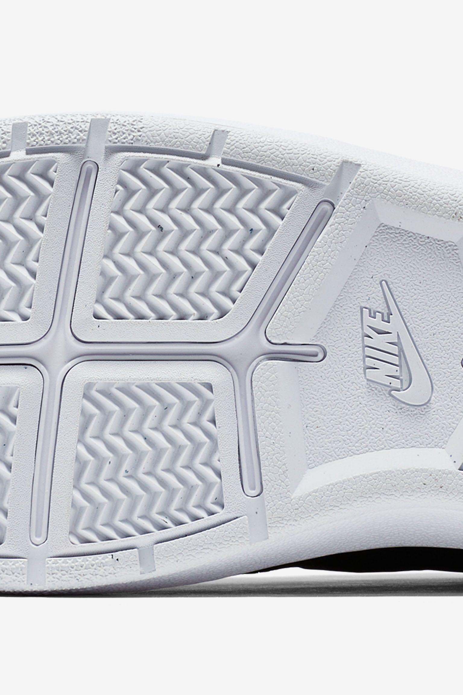 NikeCourt Classic Ultra Flyknit 'Versatile Icon'