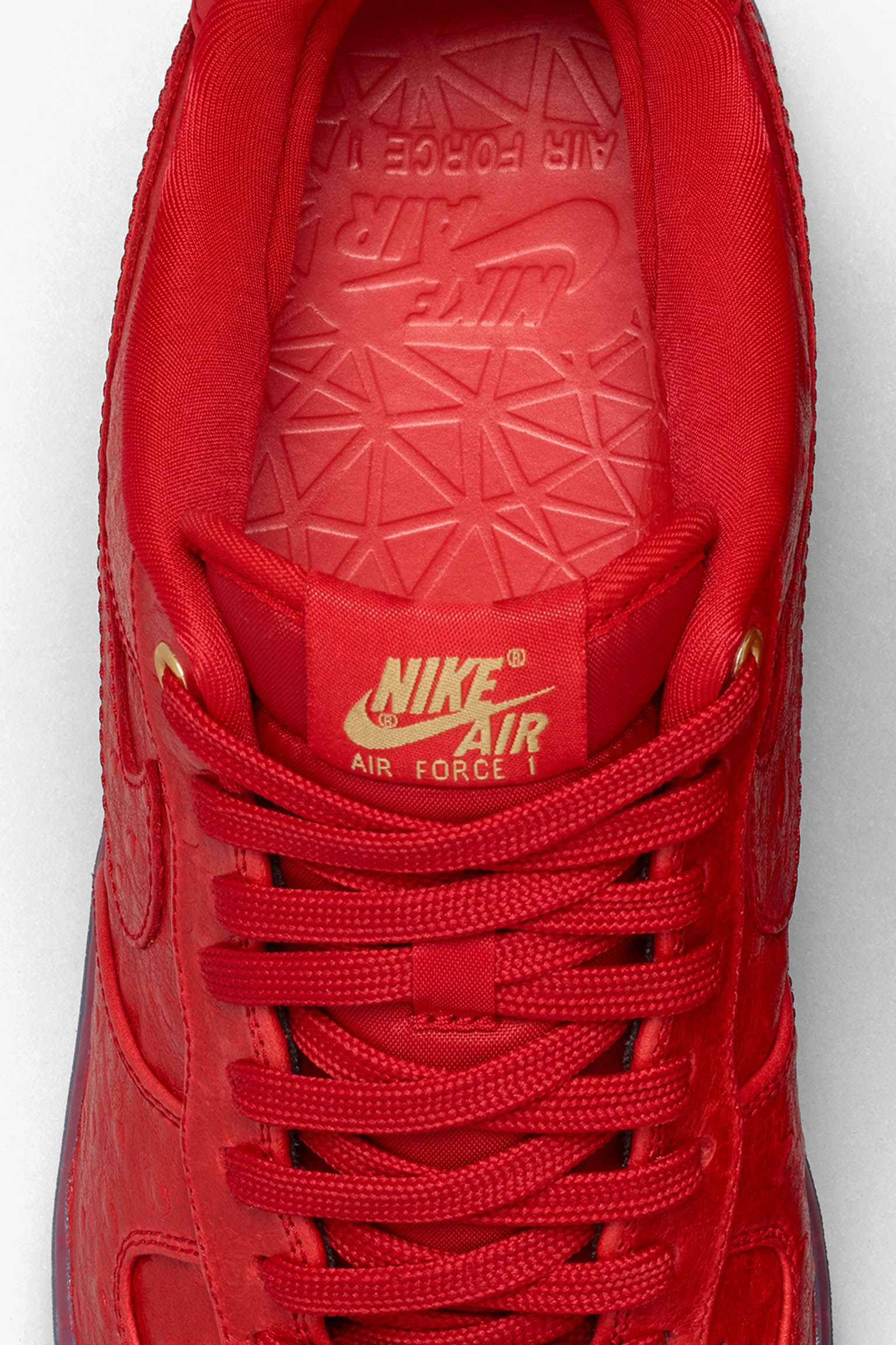 Nike Air Force 1 CMFT Low 'University Red'