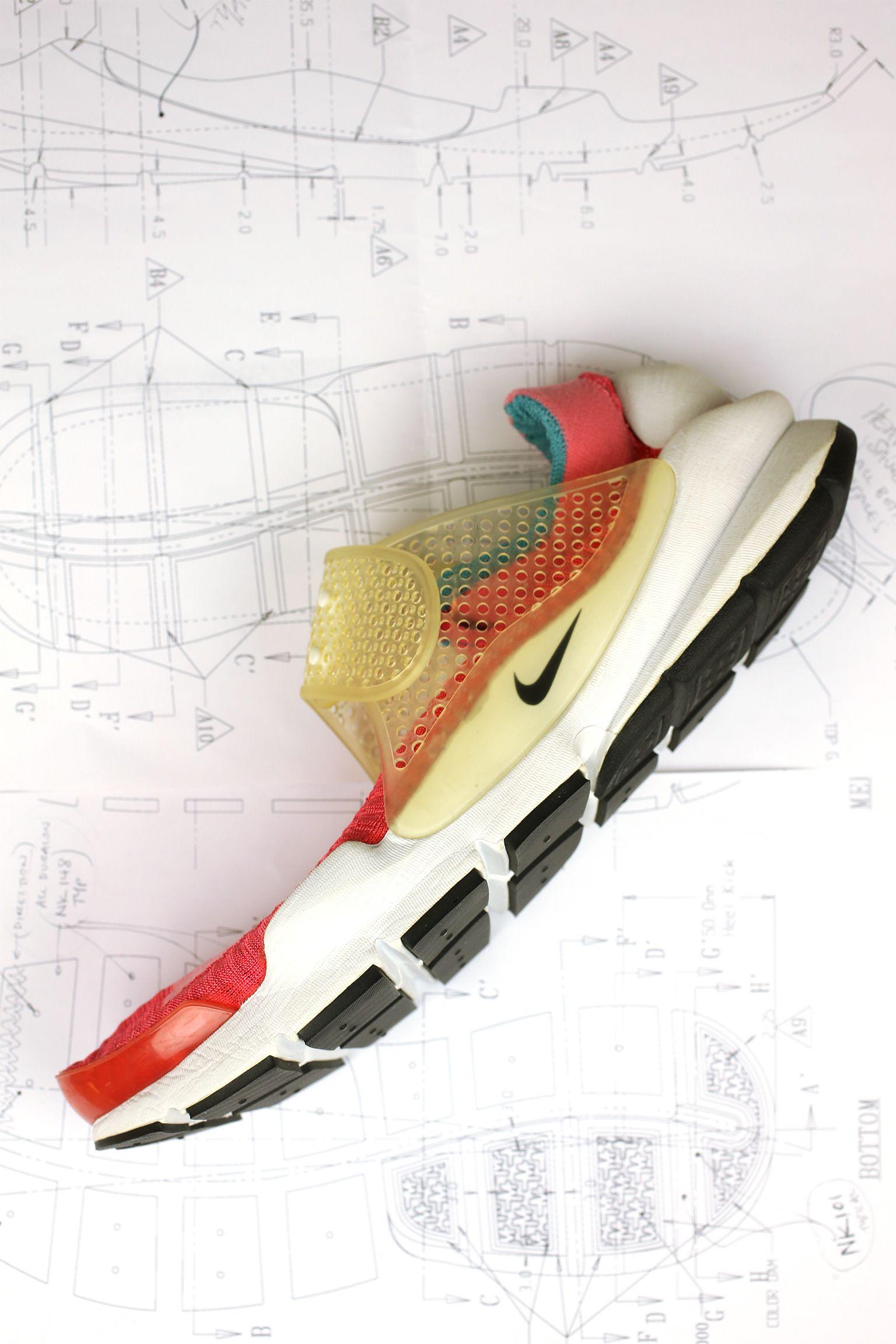 À l'origine du concept : Nike Sock Dart