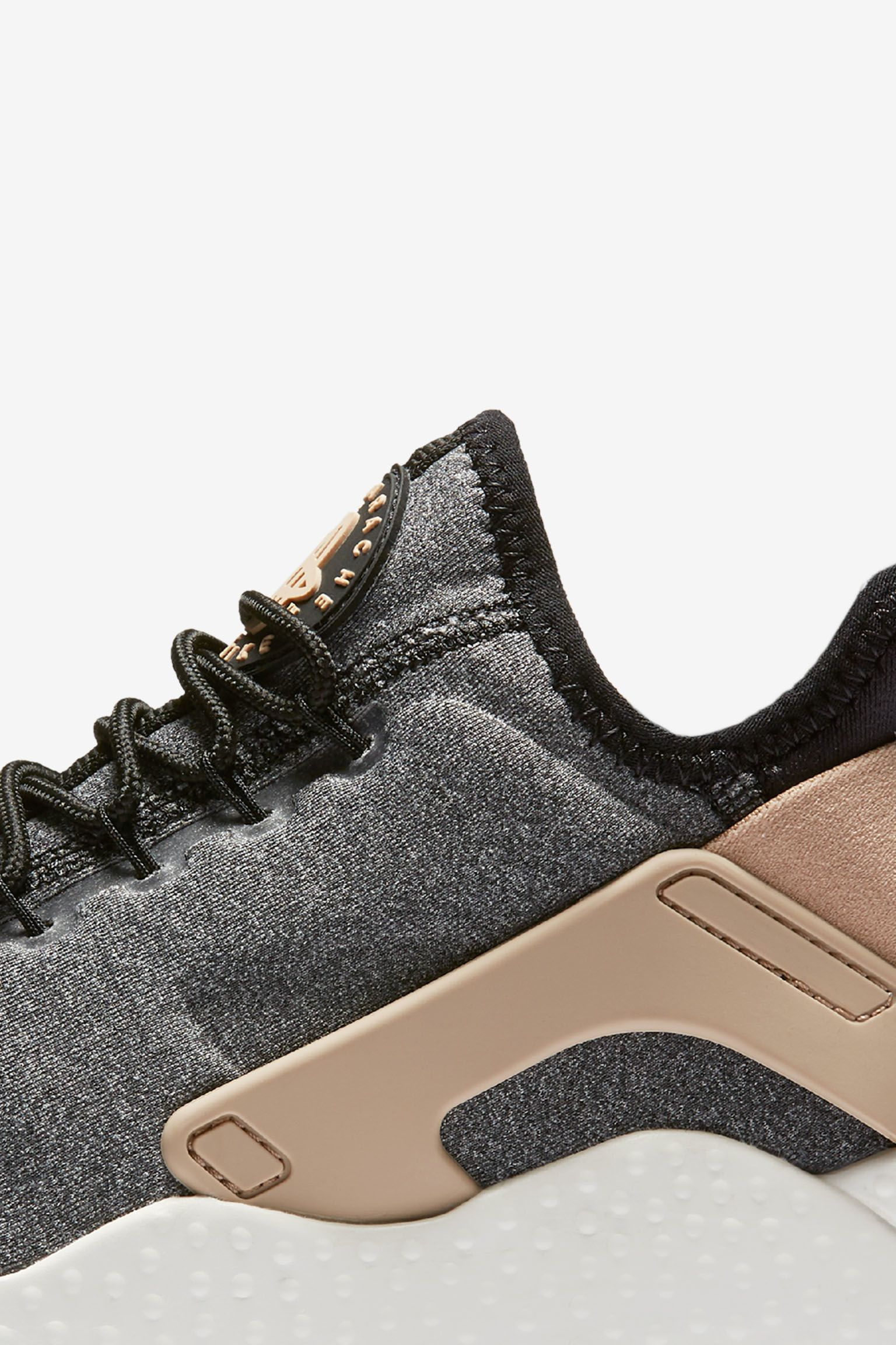 Nike Air Huarache Ultra SE 'Black & Vachetta Tan' voor dames