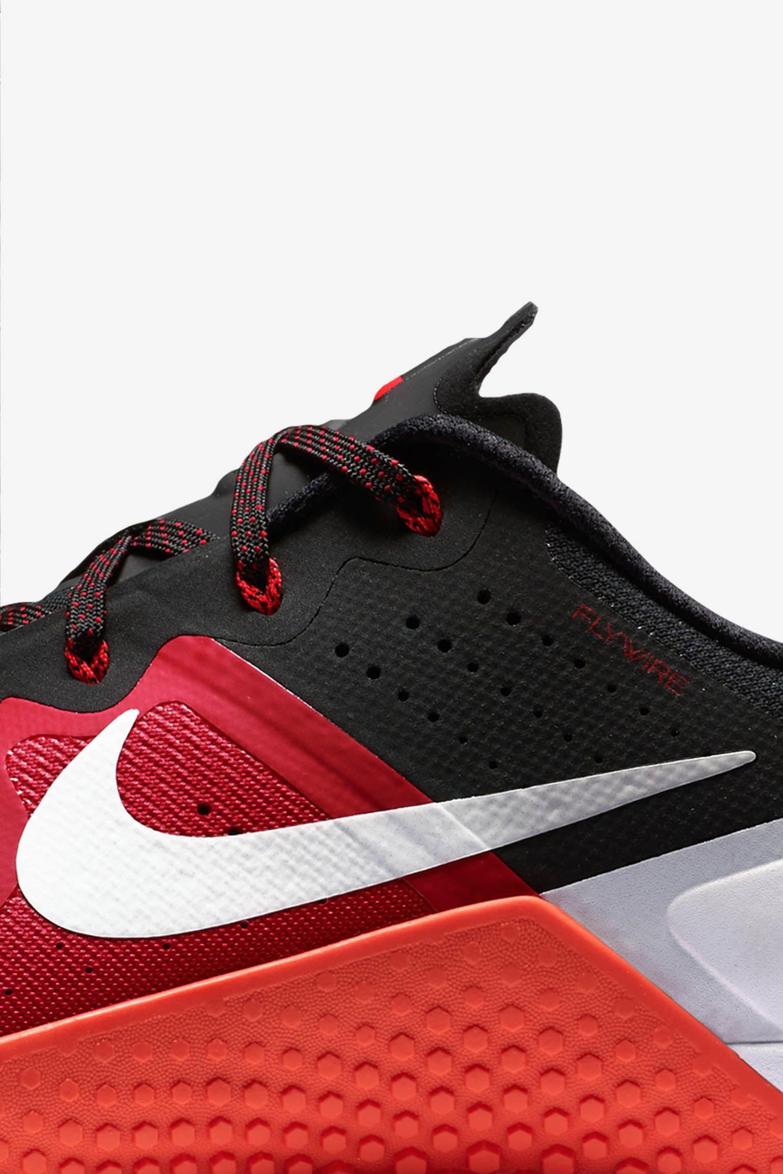 Nike Metcon 2 'Gym Red & Black & White'
