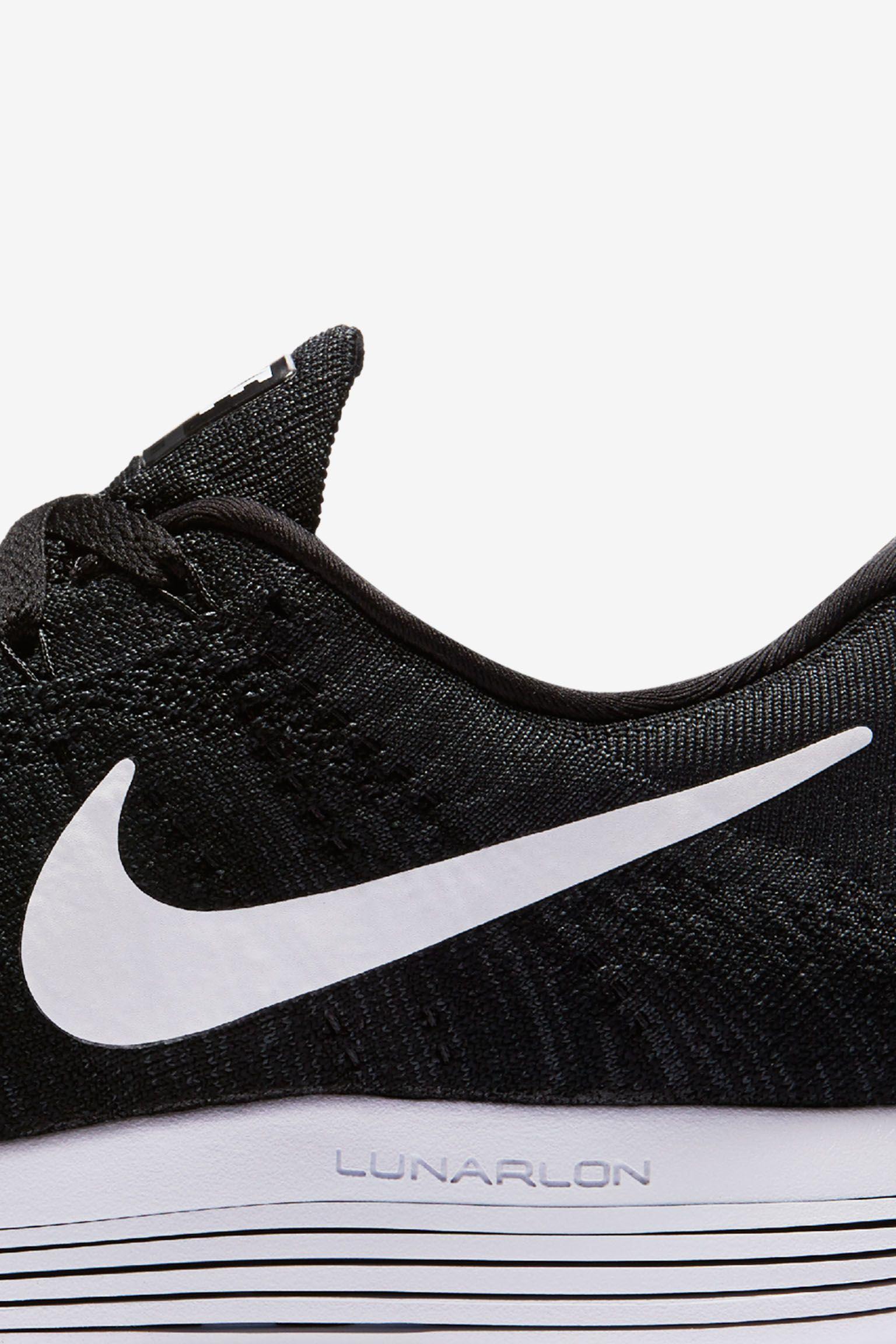 Nike LunarEpic Low Flyknit 'Future of Running'