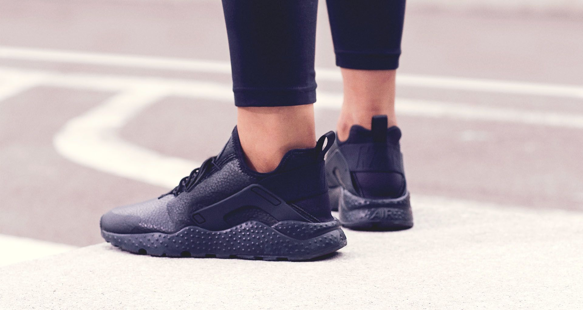 f9b4d446118a0 Women's Huarache 'triple Nike Nike Black' Snkrs Ultra Air Premium SSwaqzRZ
