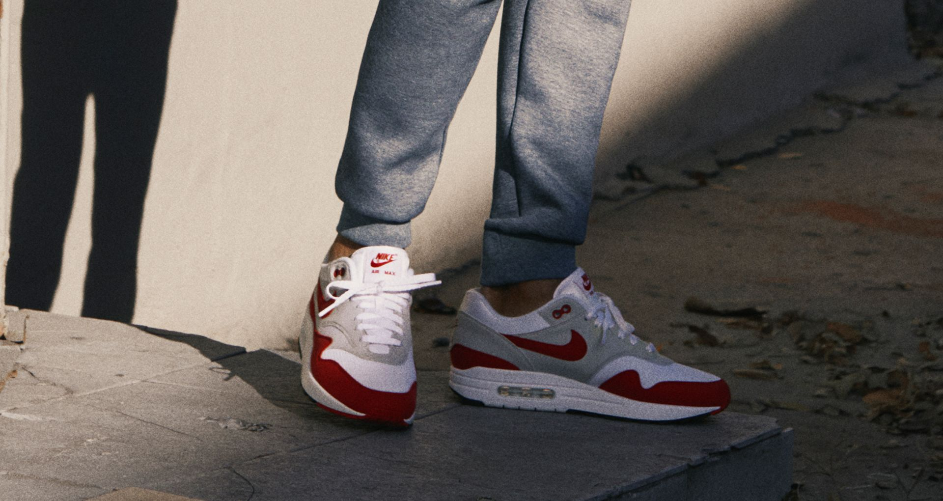 buty nike air max 1 anniversary university red