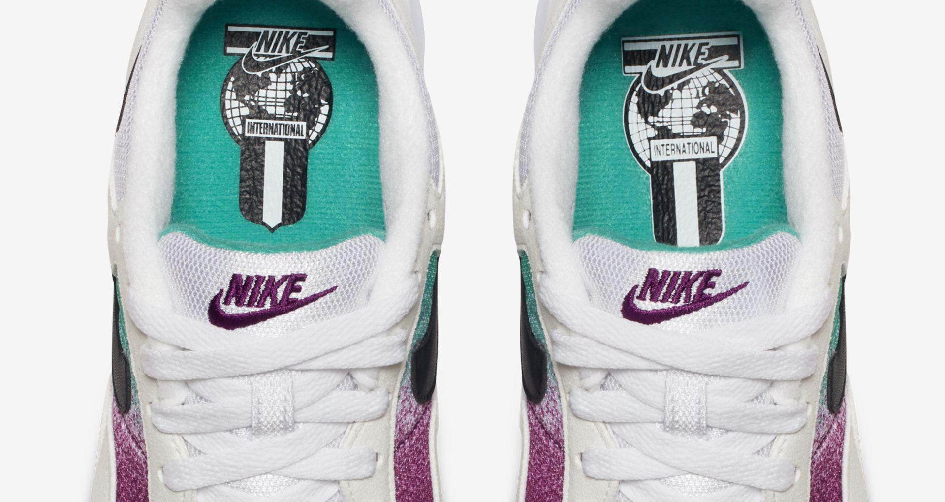 buy online f3009 e2ac5 Women s Nike Air Skylon 2  White   Clear Emerald  Release Date