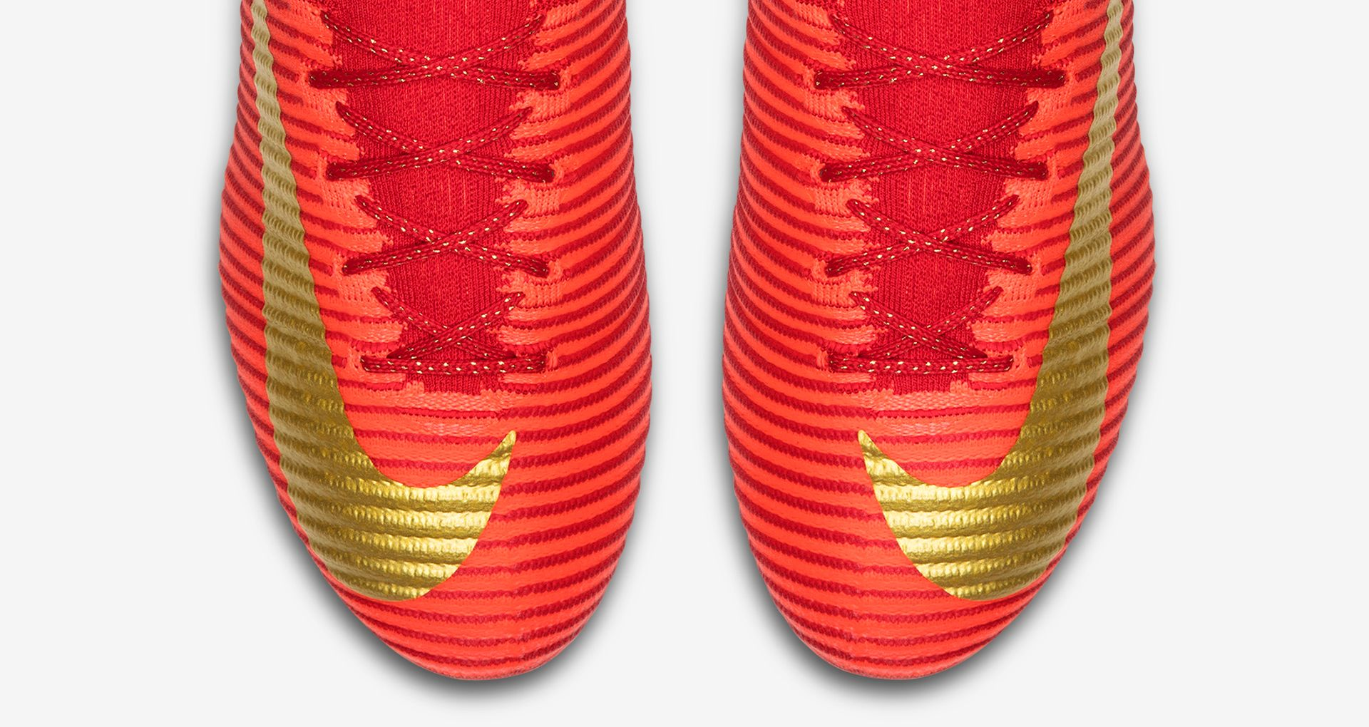 9eb5b1c70f95 ... The boot builds on the design of the CR7 Vitórias Mercurial, providing  a Portuguese counter ...