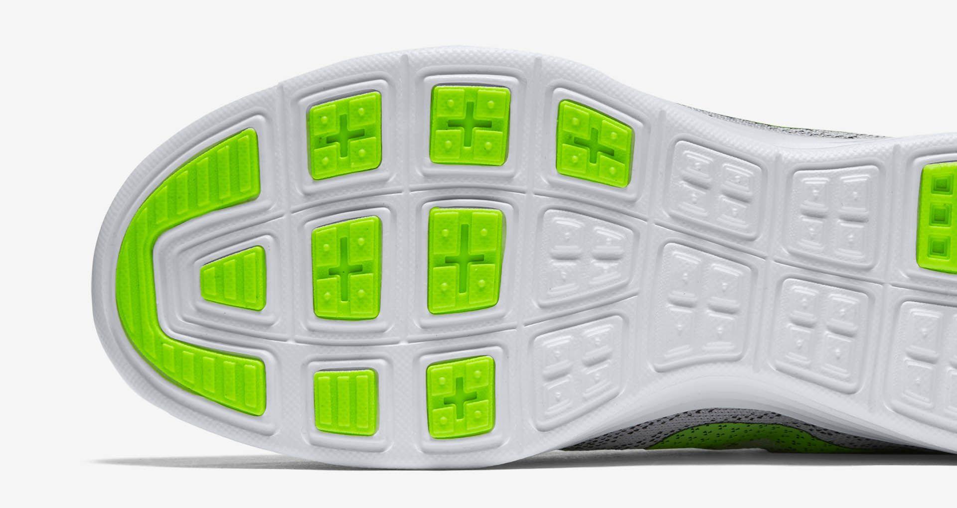 huge selection of e113d 1ac91 Women's Nike Lunartempo 2 'White & Volt-Black'. Nike+ SNKRS