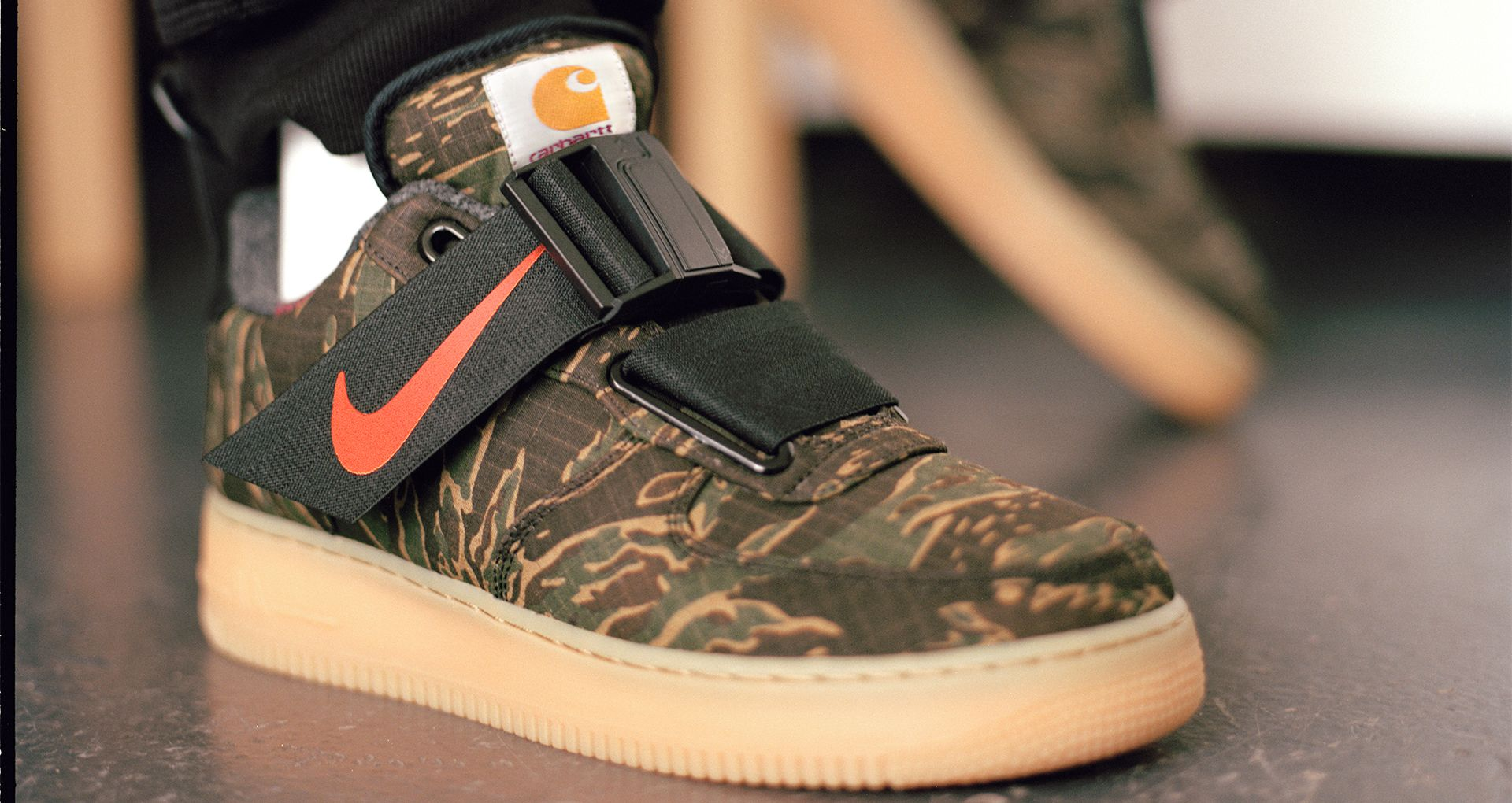 Air Force 1 Utility Low Premium Carhartt WIP  Camo Green   Gum Light ... 9ef991cf0