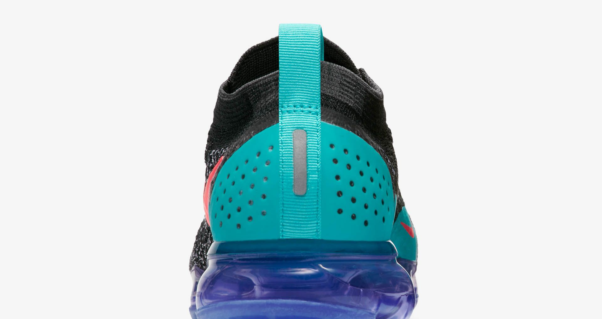 new product 6dd38 7e350 Nike Women's Air Vapormax Flyknit 2 'Black & Hot Punch ...