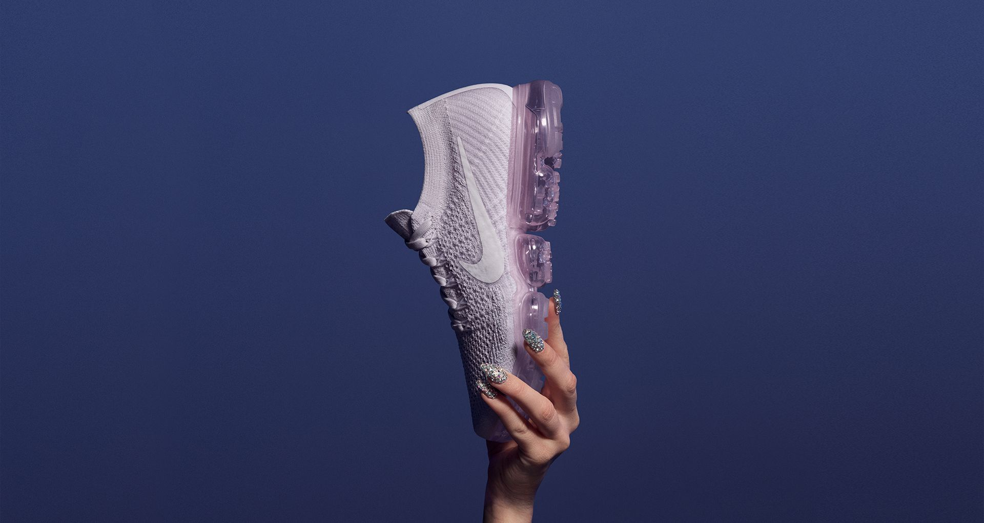 0d152fbdaafc7 Women s Nike Air VaporMax Flyknit Day to Night  Light Violet . Nike ...