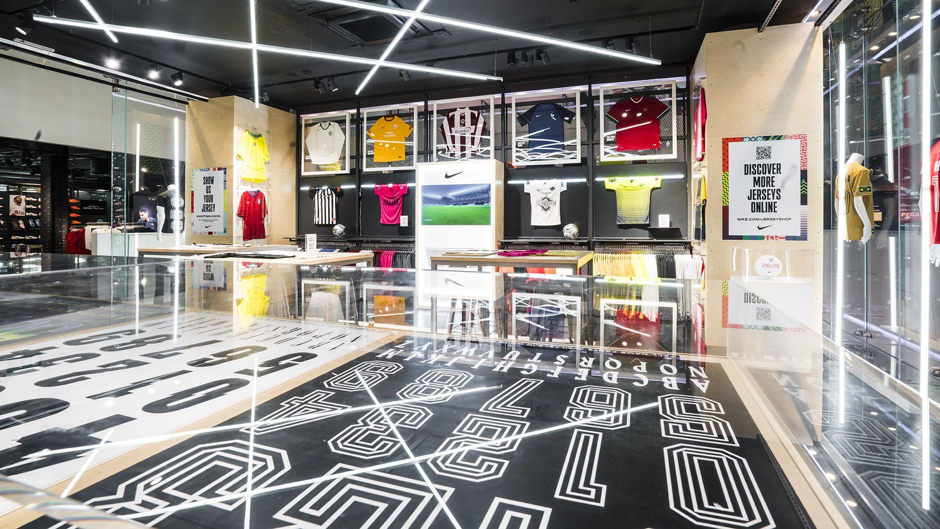 new style d6cab 3e7e3 NikeTown London Jersey Shop. Nike.com GB